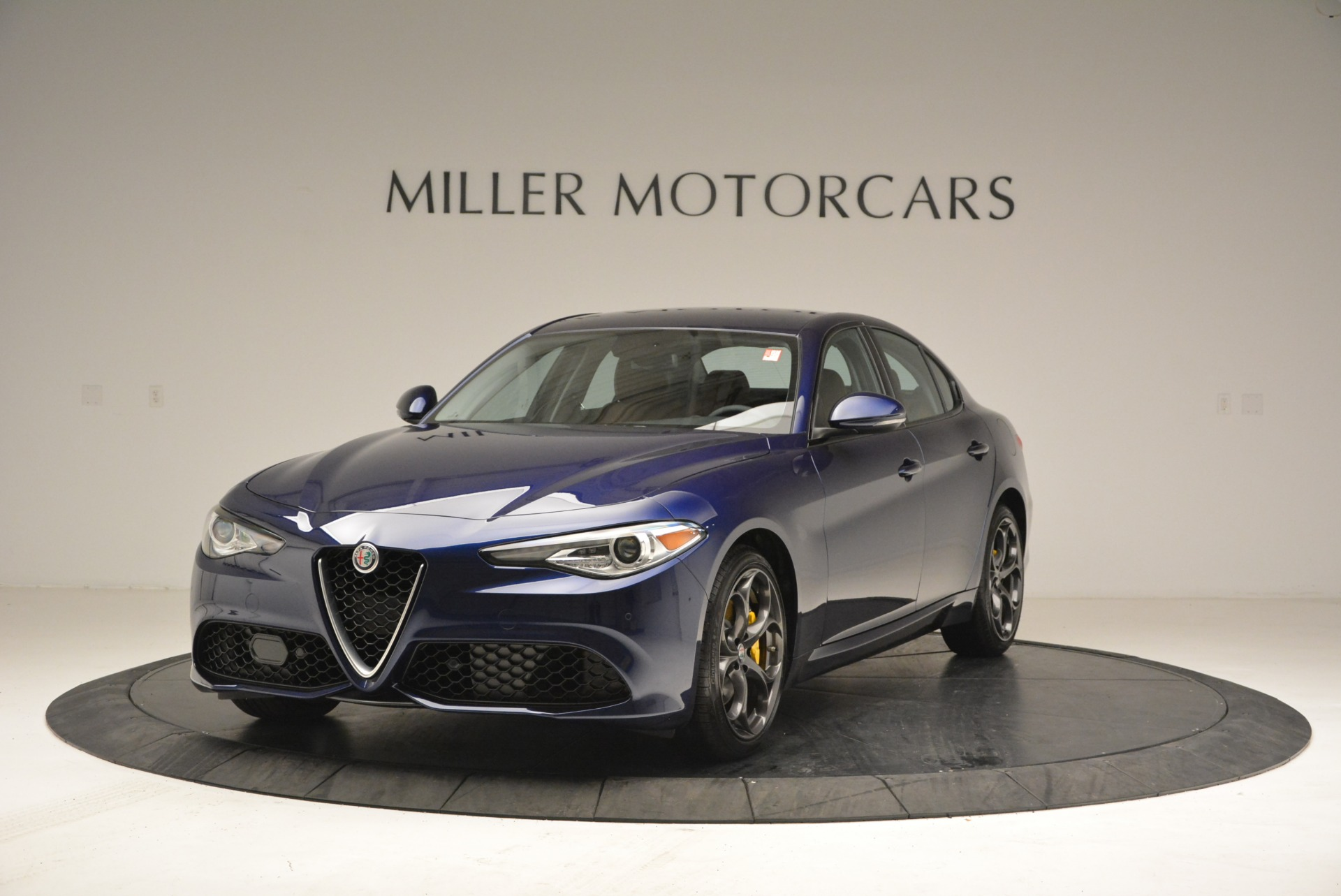 New 2018 Alfa Romeo Giulia Ti Sport Q4 For Sale In Greenwich, CT. Alfa Romeo of Greenwich, L421 2329_main