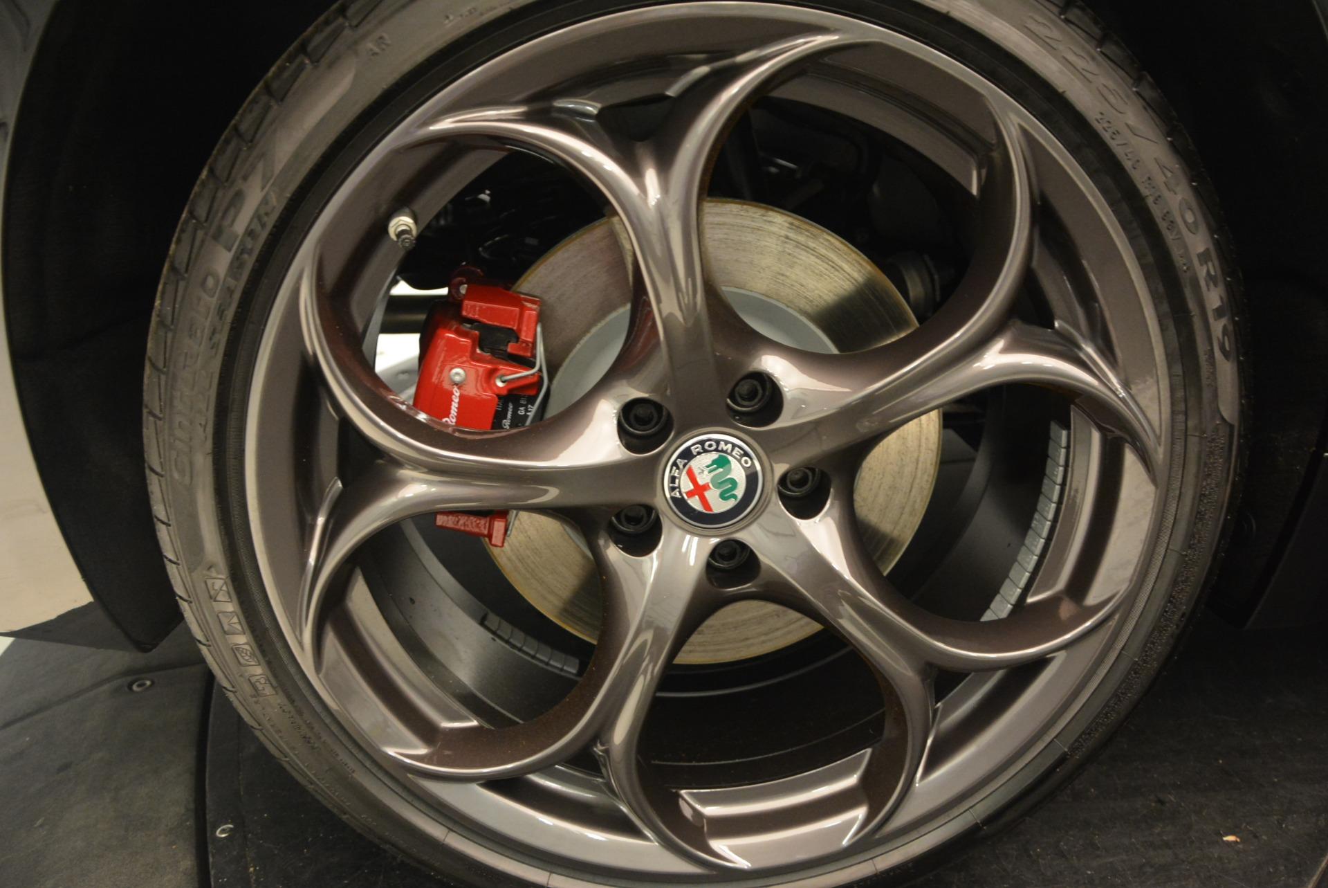 New 2018 Alfa Romeo Giulia Ti Sport Q4 For Sale In Greenwich, CT. Alfa Romeo of Greenwich, L423 2331_p25