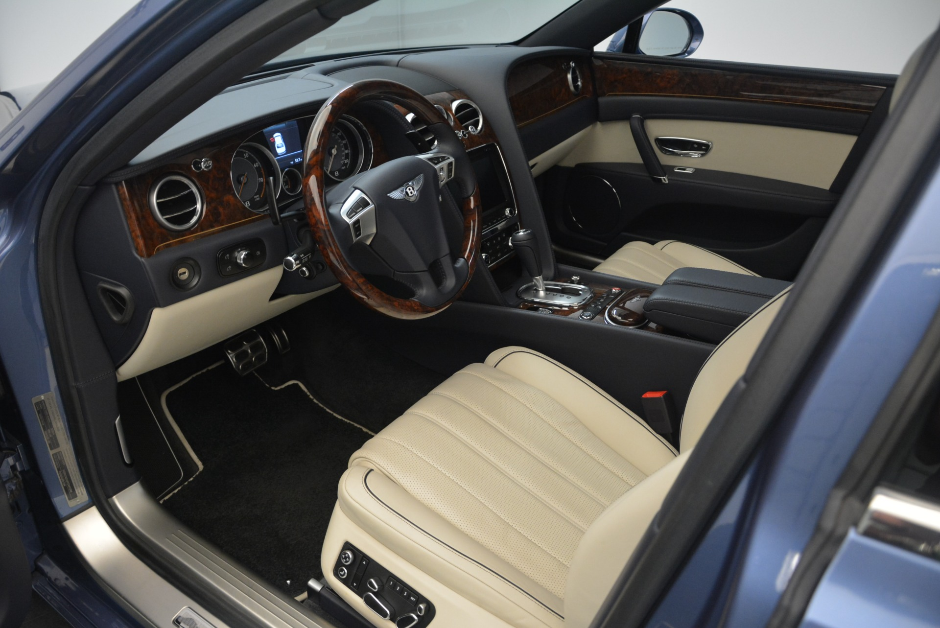 Used 2015 Bentley Flying Spur W12 For Sale In Greenwich, CT. Alfa Romeo of Greenwich, 7375 2339_p19
