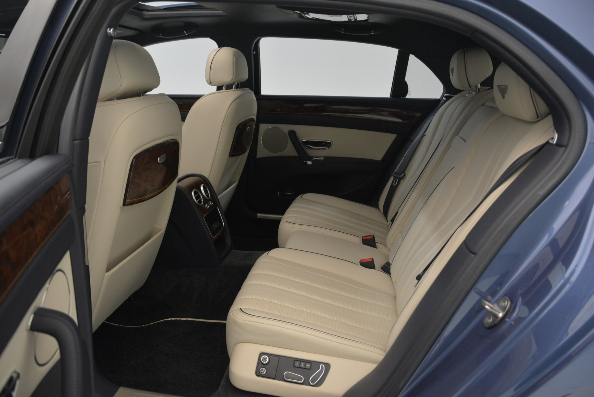 Used 2015 Bentley Flying Spur W12 For Sale In Greenwich, CT. Alfa Romeo of Greenwich, 7375 2339_p28