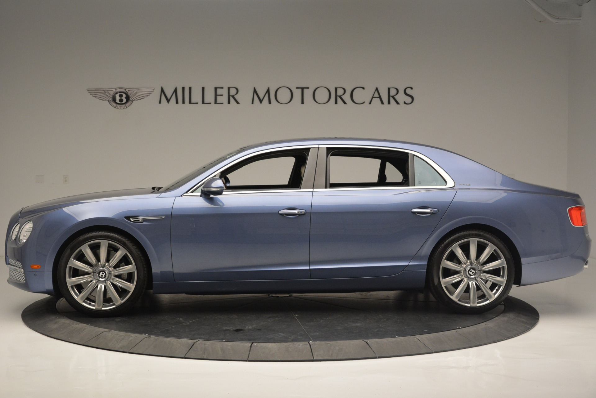 Used 2015 Bentley Flying Spur W12 For Sale In Greenwich, CT. Alfa Romeo of Greenwich, 7375 2339_p3