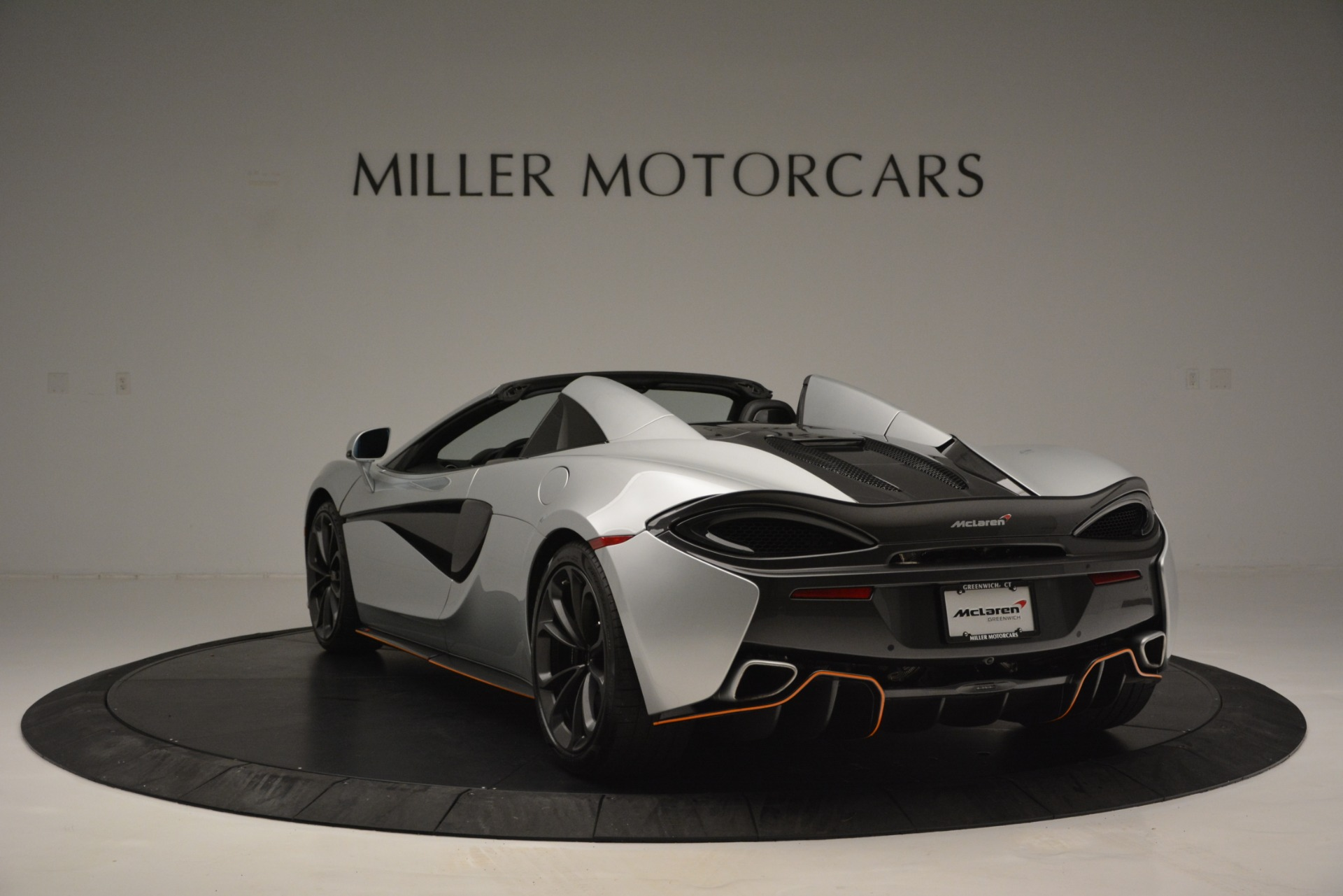 Used 2018 McLaren 570S Spider For Sale In Greenwich, CT. Alfa Romeo of Greenwich, MC369 2340_p5