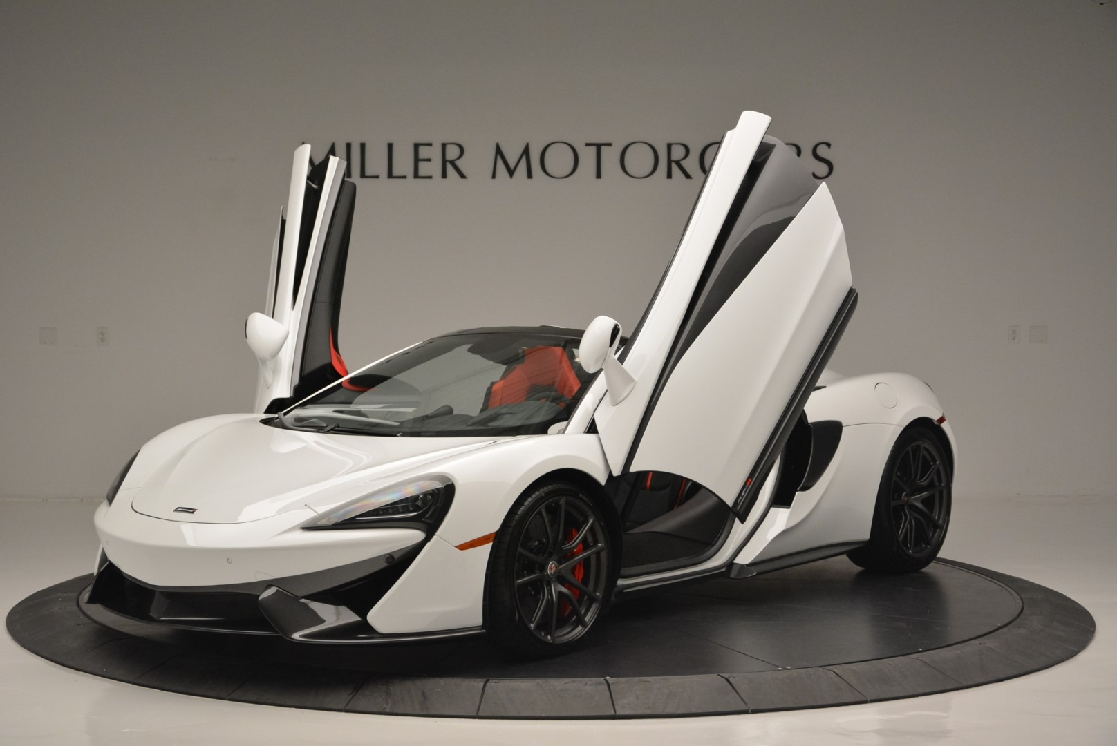 Used 2018 McLaren 570S Spider For Sale In Greenwich, CT. Alfa Romeo of Greenwich, 3149 2341_p13