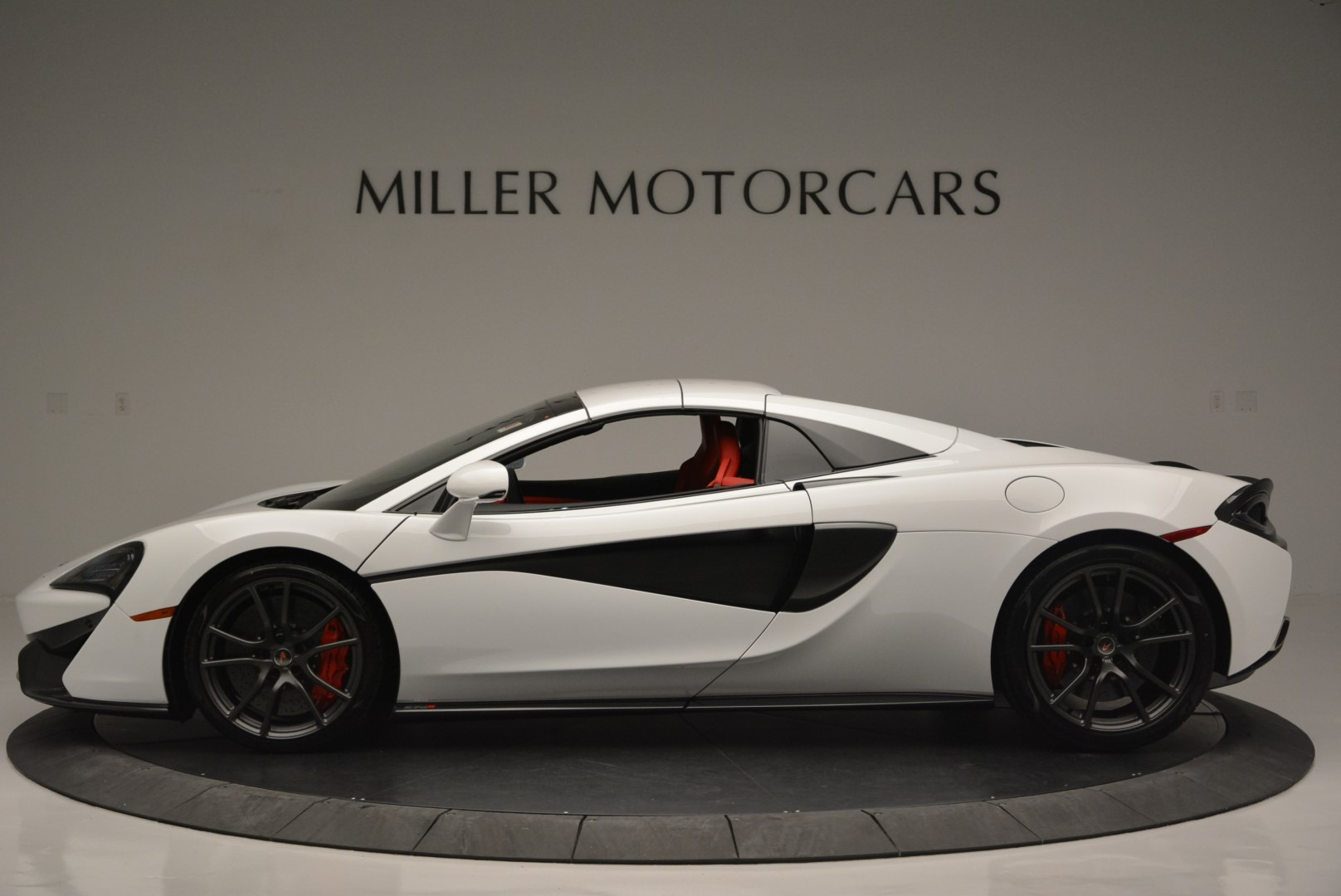Used 2018 McLaren 570S Spider For Sale In Greenwich, CT. Alfa Romeo of Greenwich, 3149 2341_p15