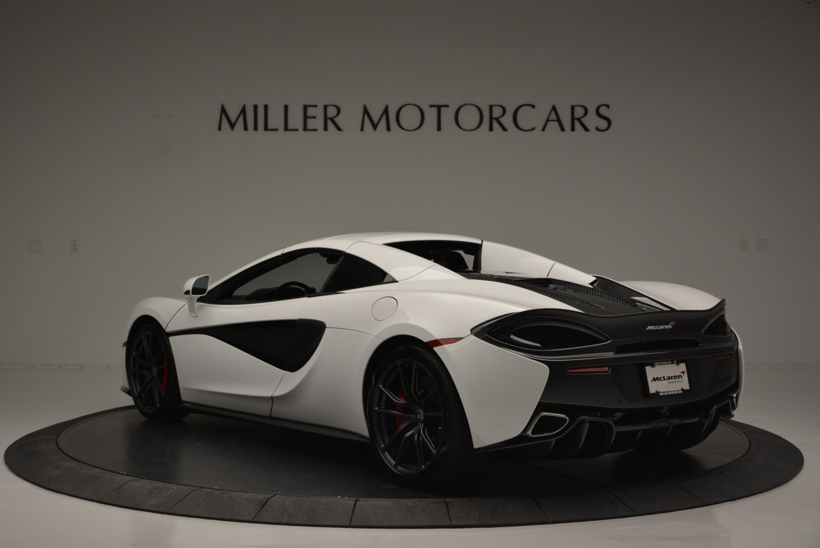 Used 2018 McLaren 570S Spider For Sale In Greenwich, CT. Alfa Romeo of Greenwich, 3149 2341_p16