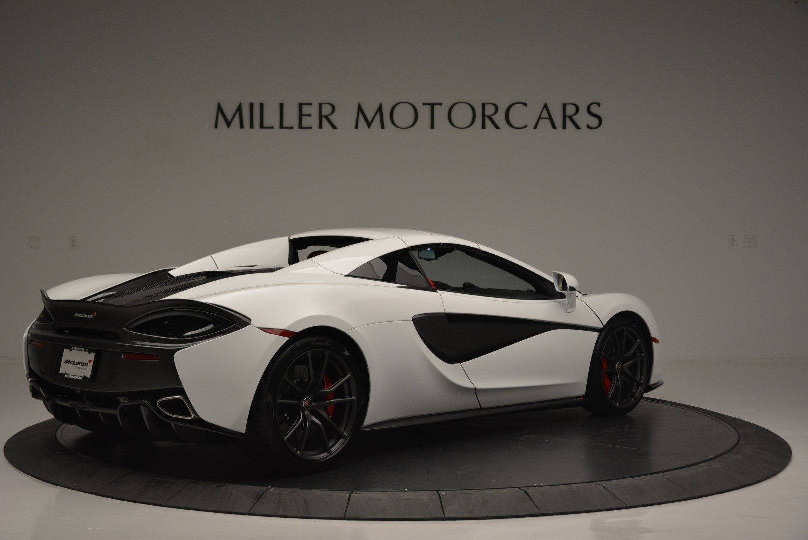 Used 2018 McLaren 570S Spider For Sale In Greenwich, CT. Alfa Romeo of Greenwich, 3149 2341_p18