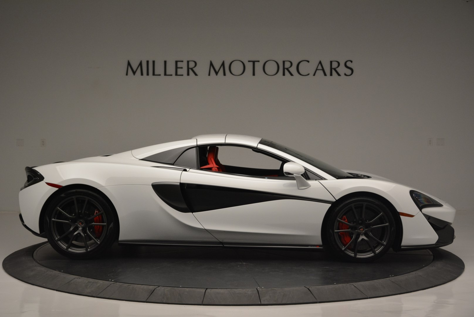 Used 2018 McLaren 570S Spider For Sale In Greenwich, CT. Alfa Romeo of Greenwich, 3149 2341_p19