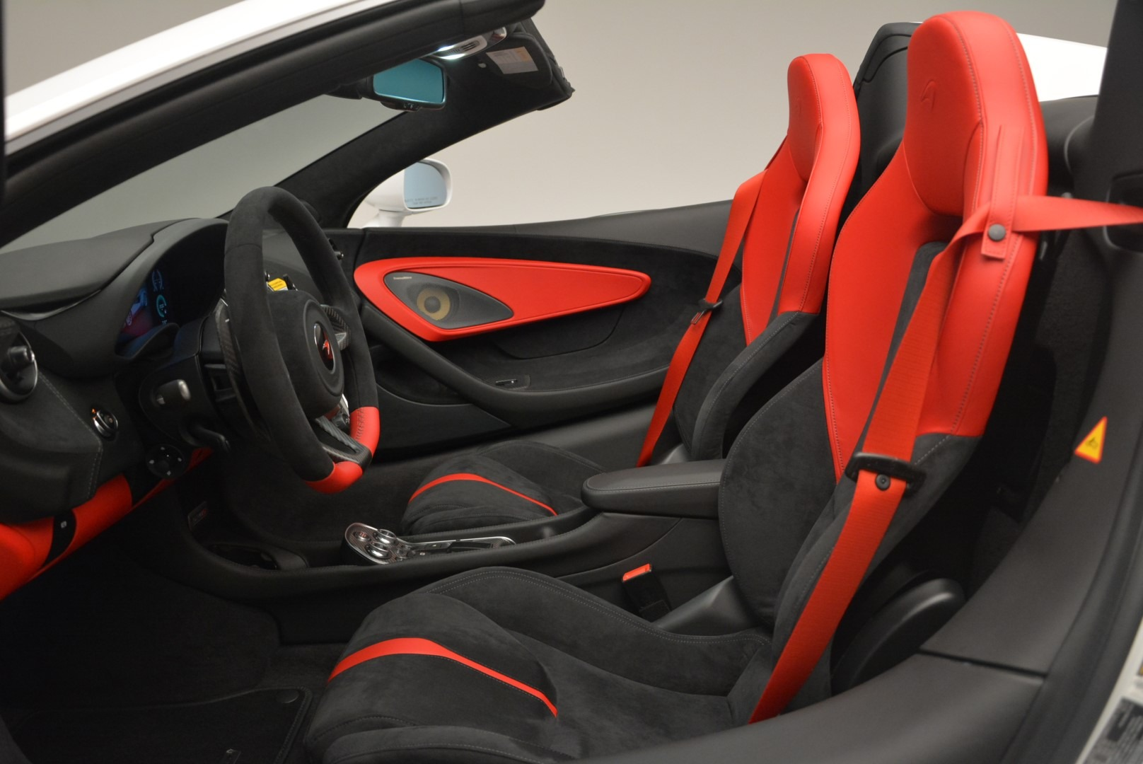 Used 2018 McLaren 570S Spider For Sale In Greenwich, CT. Alfa Romeo of Greenwich, 3149 2341_p23