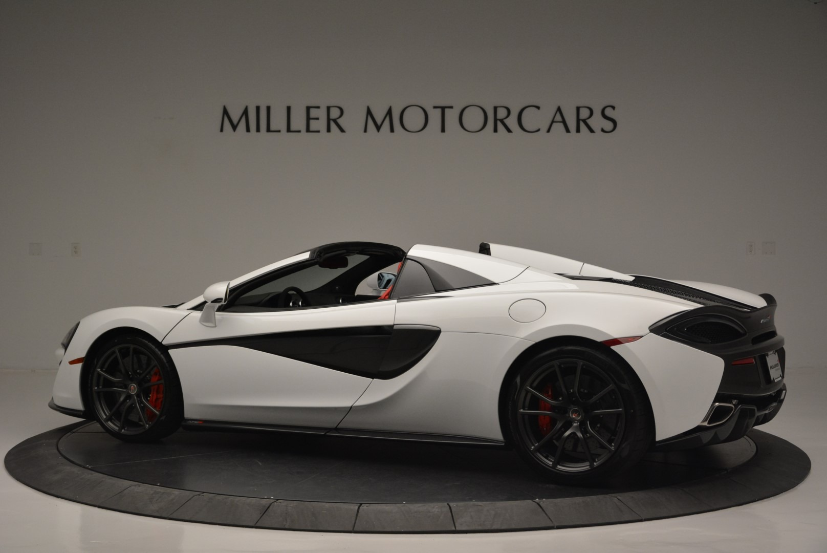Used 2018 McLaren 570S Spider For Sale In Greenwich, CT. Alfa Romeo of Greenwich, 3149 2341_p4