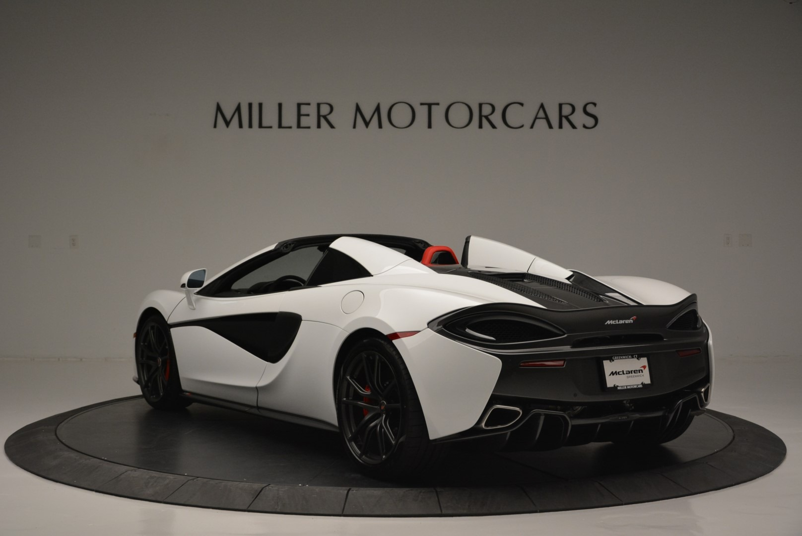 Used 2018 McLaren 570S Spider For Sale In Greenwich, CT. Alfa Romeo of Greenwich, 3149 2341_p5