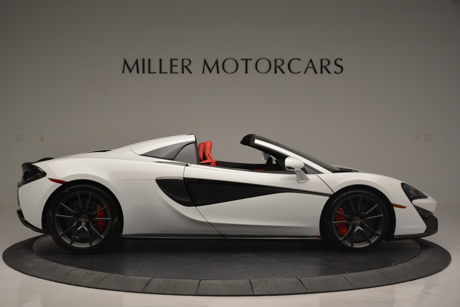 Used 2018 McLaren 570S Spider For Sale In Greenwich, CT. Alfa Romeo of Greenwich, 3149 2341_p9