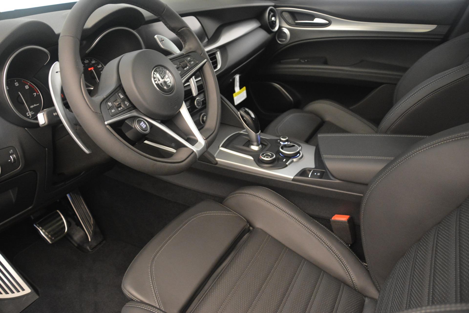 New 2018 Alfa Romeo Stelvio Ti Sport Q4 For Sale In Greenwich, CT. Alfa Romeo of Greenwich, L433 2354_p13