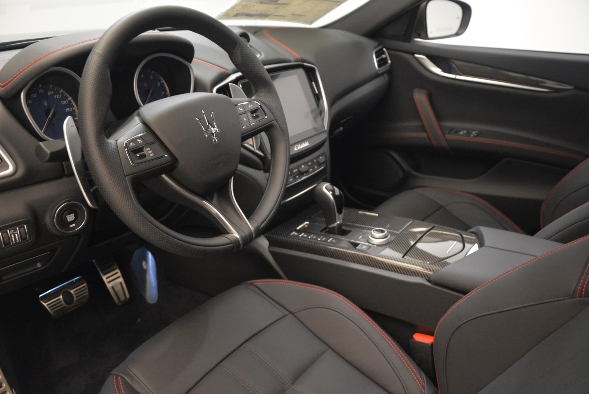 New 2018 Maserati Ghibli SQ4 GranSport Nerissimo For Sale In Greenwich, CT. Alfa Romeo of Greenwich, M2171 2366_p13