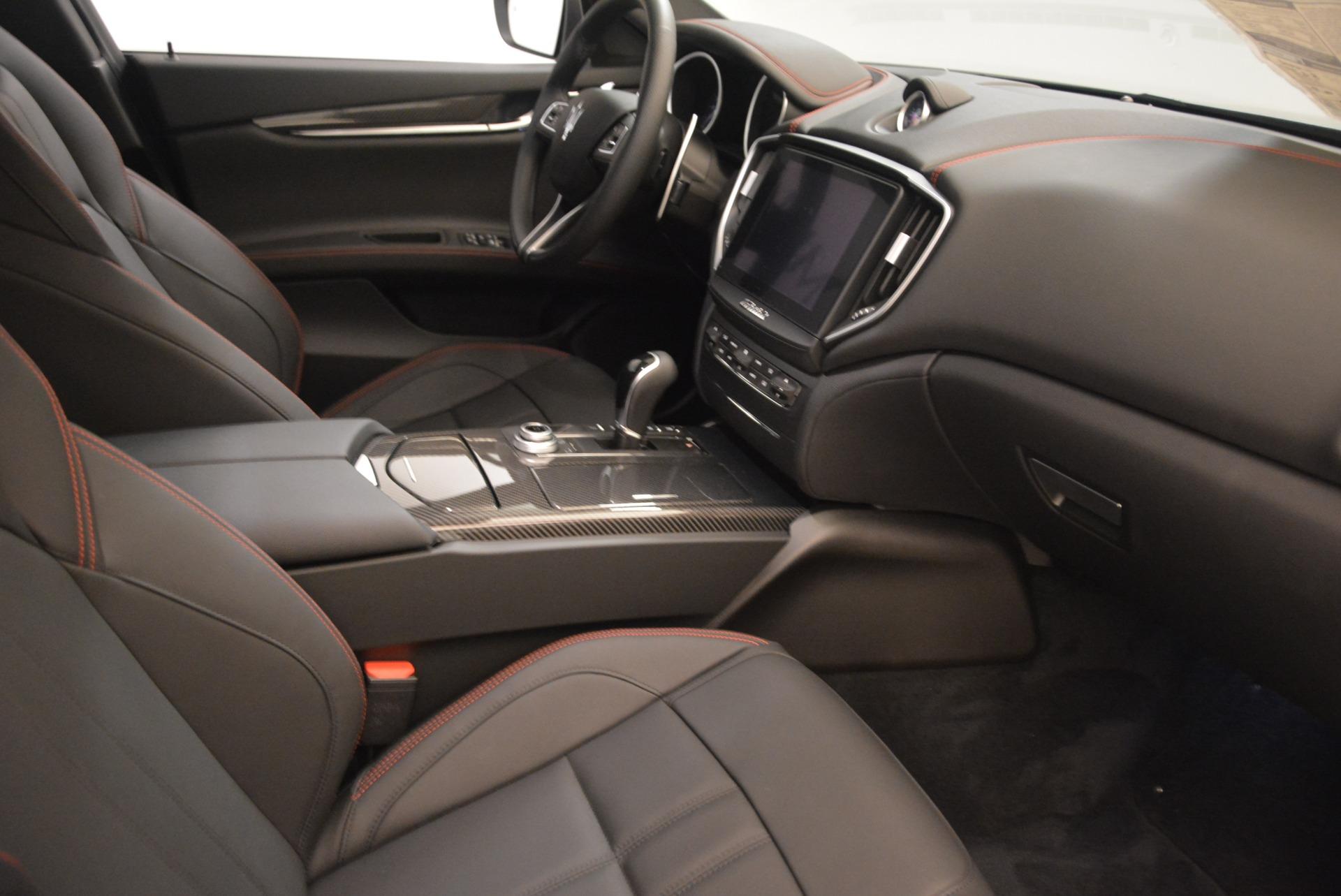 New 2018 Maserati Ghibli SQ4 GranSport Nerissimo For Sale In Greenwich, CT. Alfa Romeo of Greenwich, M2171 2366_p16