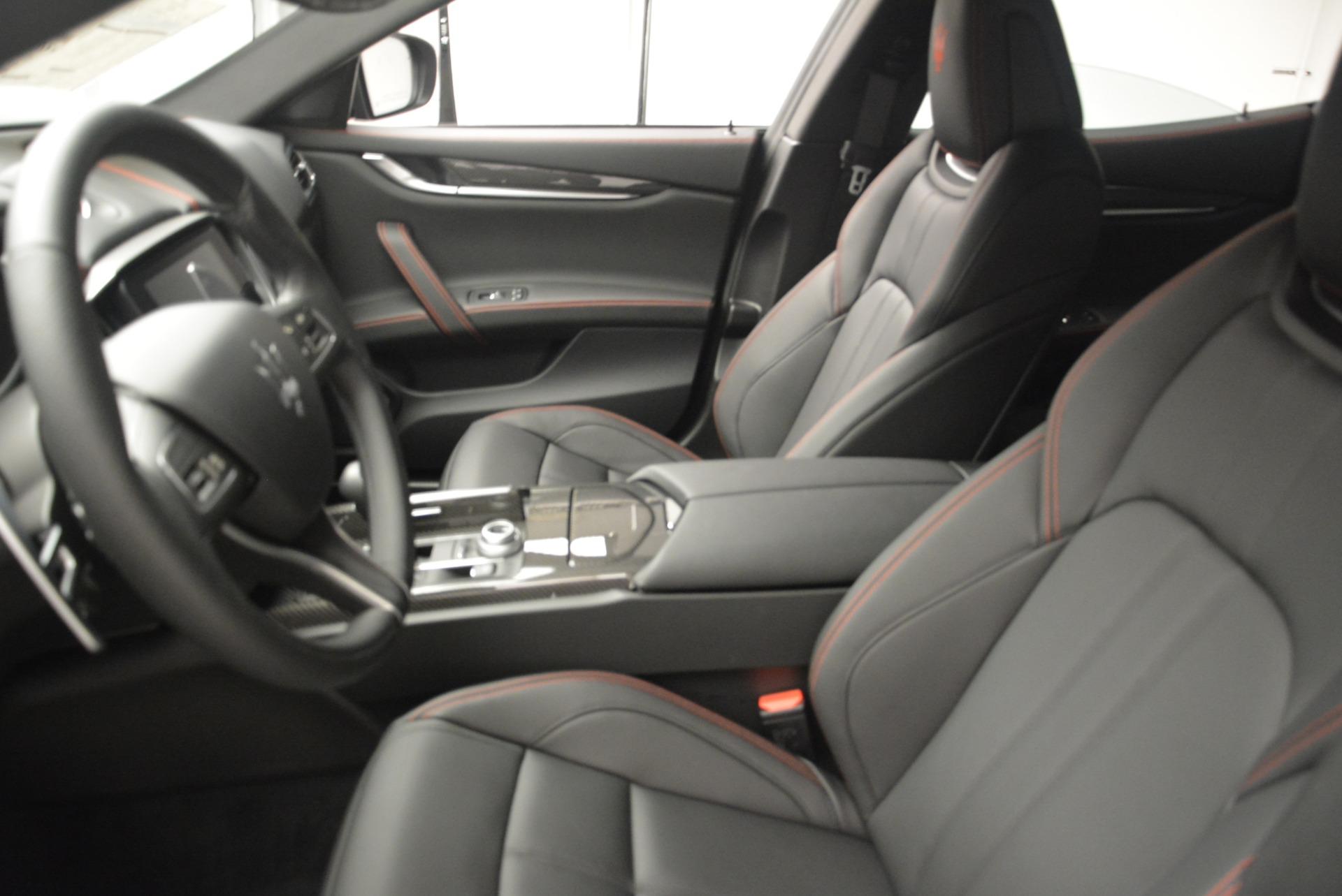 New 2018 Maserati Ghibli SQ4 GranSport Nerissimo For Sale In Greenwich, CT. Alfa Romeo of Greenwich, W603 2372_p15