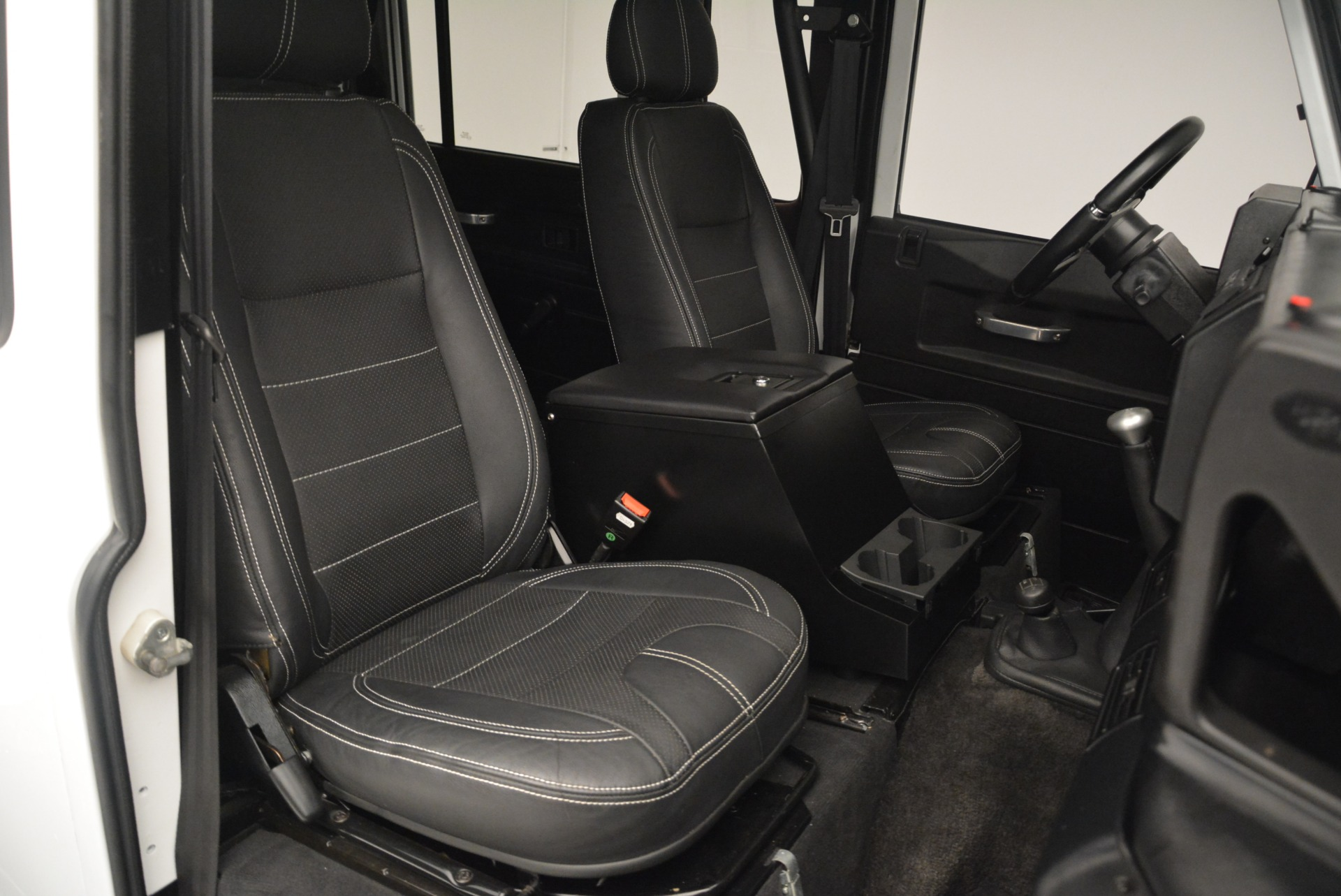Used 1994 Land Rover Defender 130 Himalaya For Sale In Greenwich, CT. Alfa Romeo of Greenwich, 7392 2374_p21