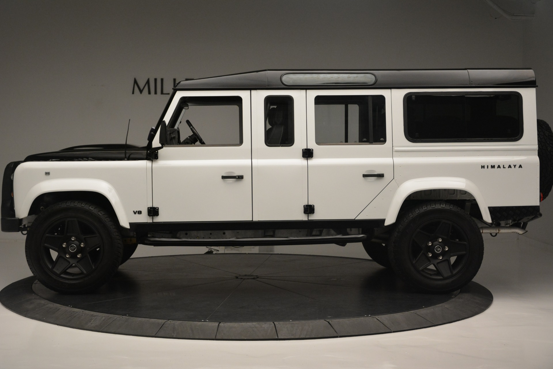 Used 1994 Land Rover Defender 130 Himalaya For Sale In Greenwich, CT. Alfa Romeo of Greenwich, 7392 2374_p3