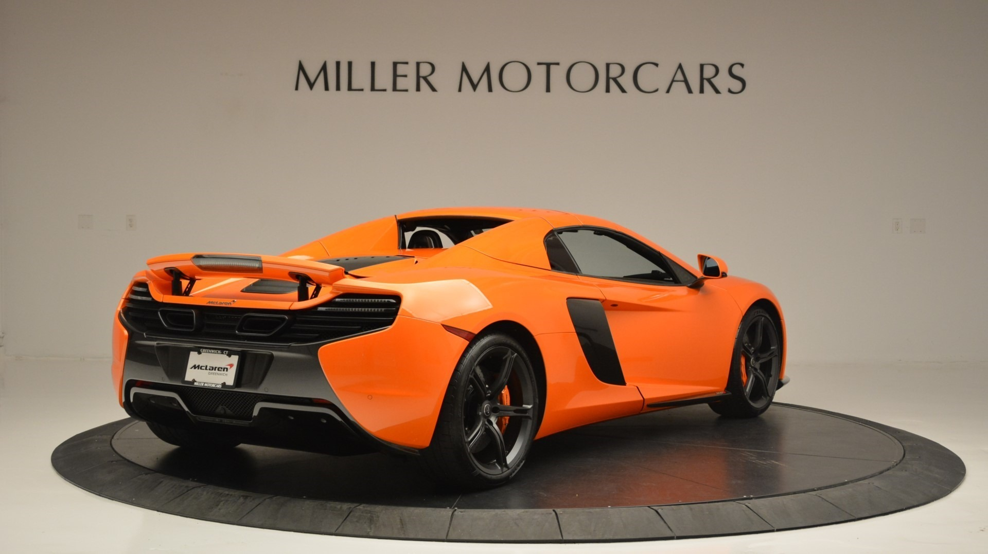 Used 2015 McLaren 650S Spider Convertible For Sale In Greenwich, CT. Alfa Romeo of Greenwich, 3142 2375_p19