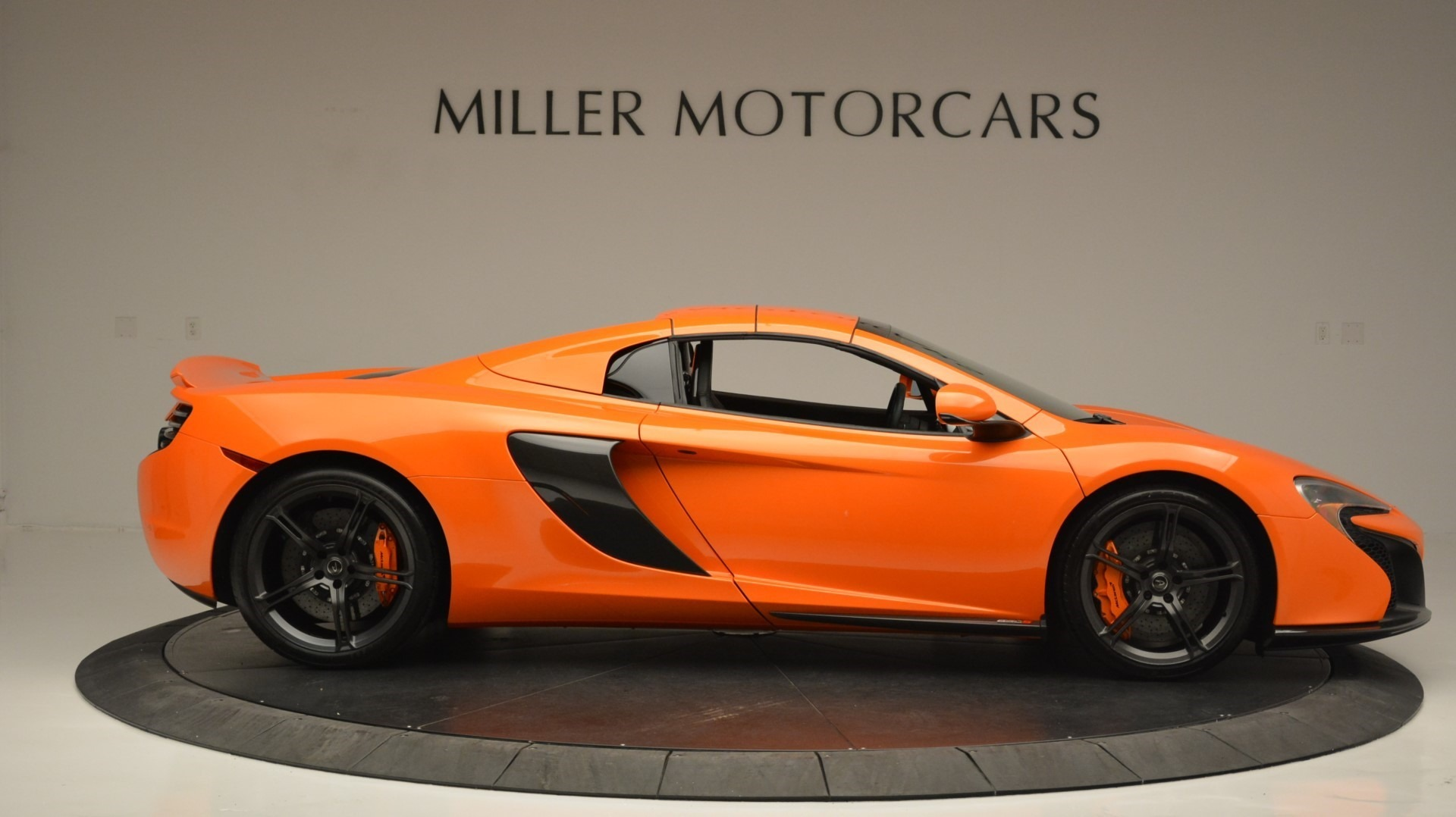 Used 2015 McLaren 650S Spider Convertible For Sale In Greenwich, CT. Alfa Romeo of Greenwich, 3142 2375_p20
