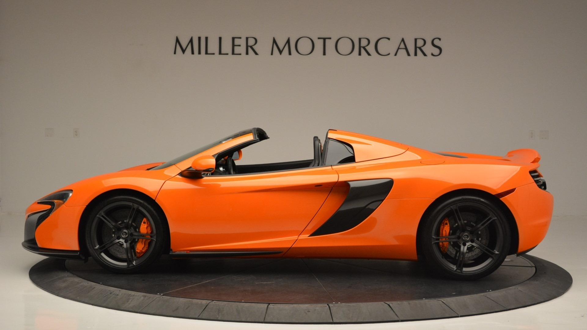 Used 2015 McLaren 650S Spider Convertible For Sale In Greenwich, CT. Alfa Romeo of Greenwich, 3142 2375_p3