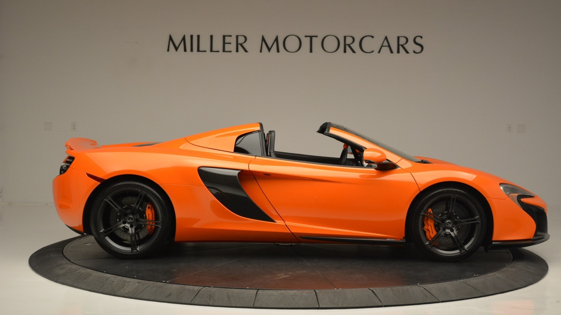 Used 2015 McLaren 650S Spider Convertible For Sale In Greenwich, CT. Alfa Romeo of Greenwich, 3142 2375_p9