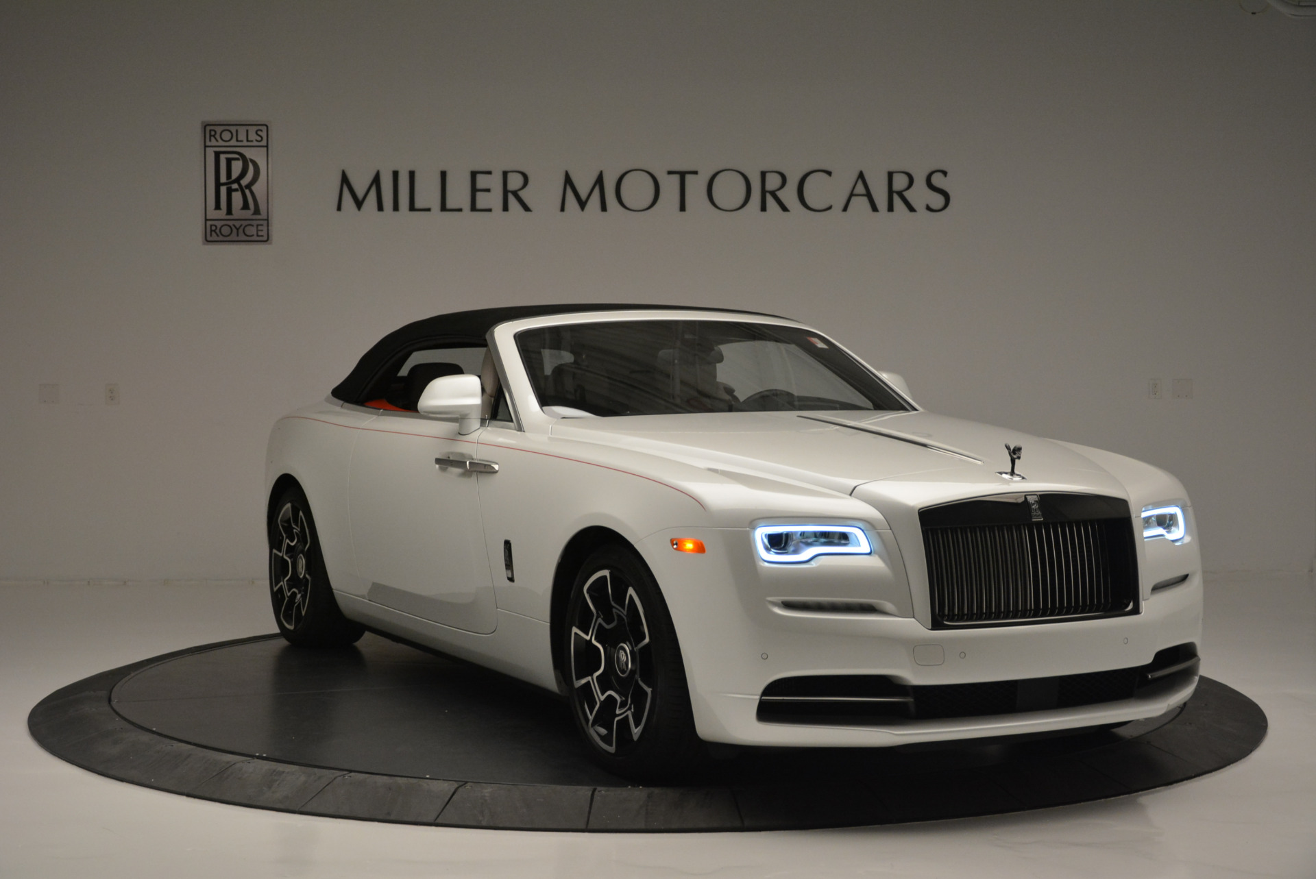 Used 2018 Rolls-Royce Dawn Black Badge For Sale In Greenwich, CT. Alfa Romeo of Greenwich, R469 2376_p15