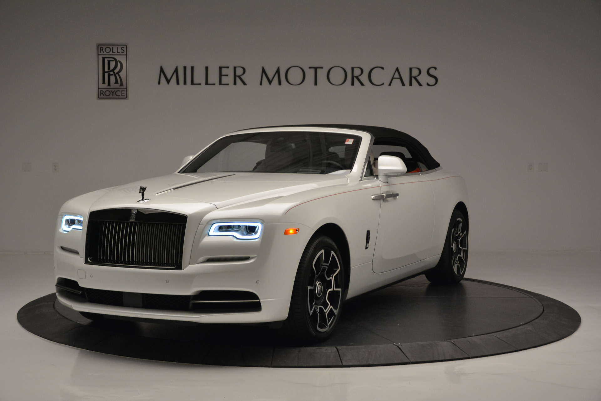 Used 2018 Rolls-Royce Dawn Black Badge For Sale In Greenwich, CT. Alfa Romeo of Greenwich, R469 2376_p9
