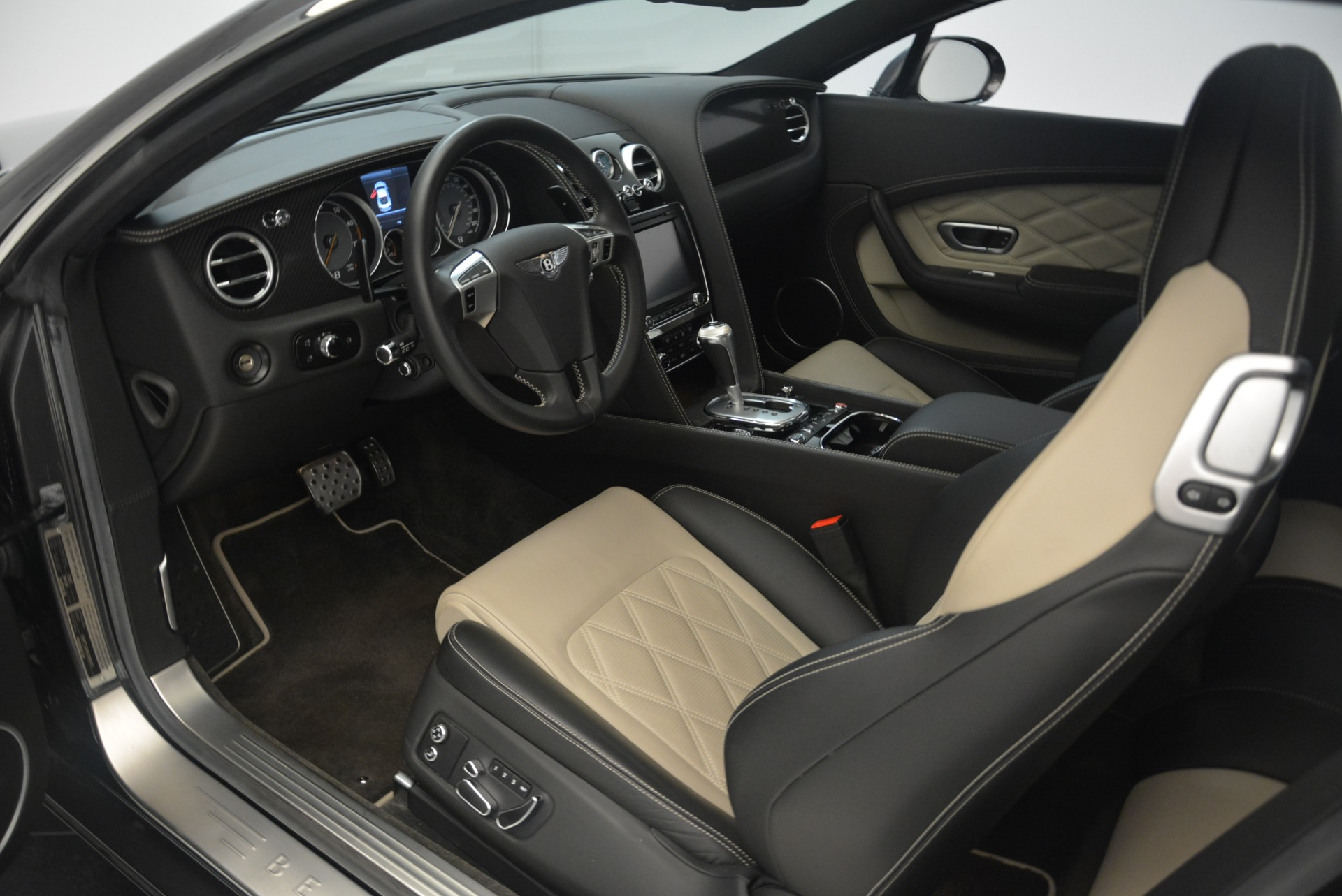 Used 2013 Bentley Continental GT V8 For Sale In Greenwich, CT. Alfa Romeo of Greenwich, 4482A 2377_p18
