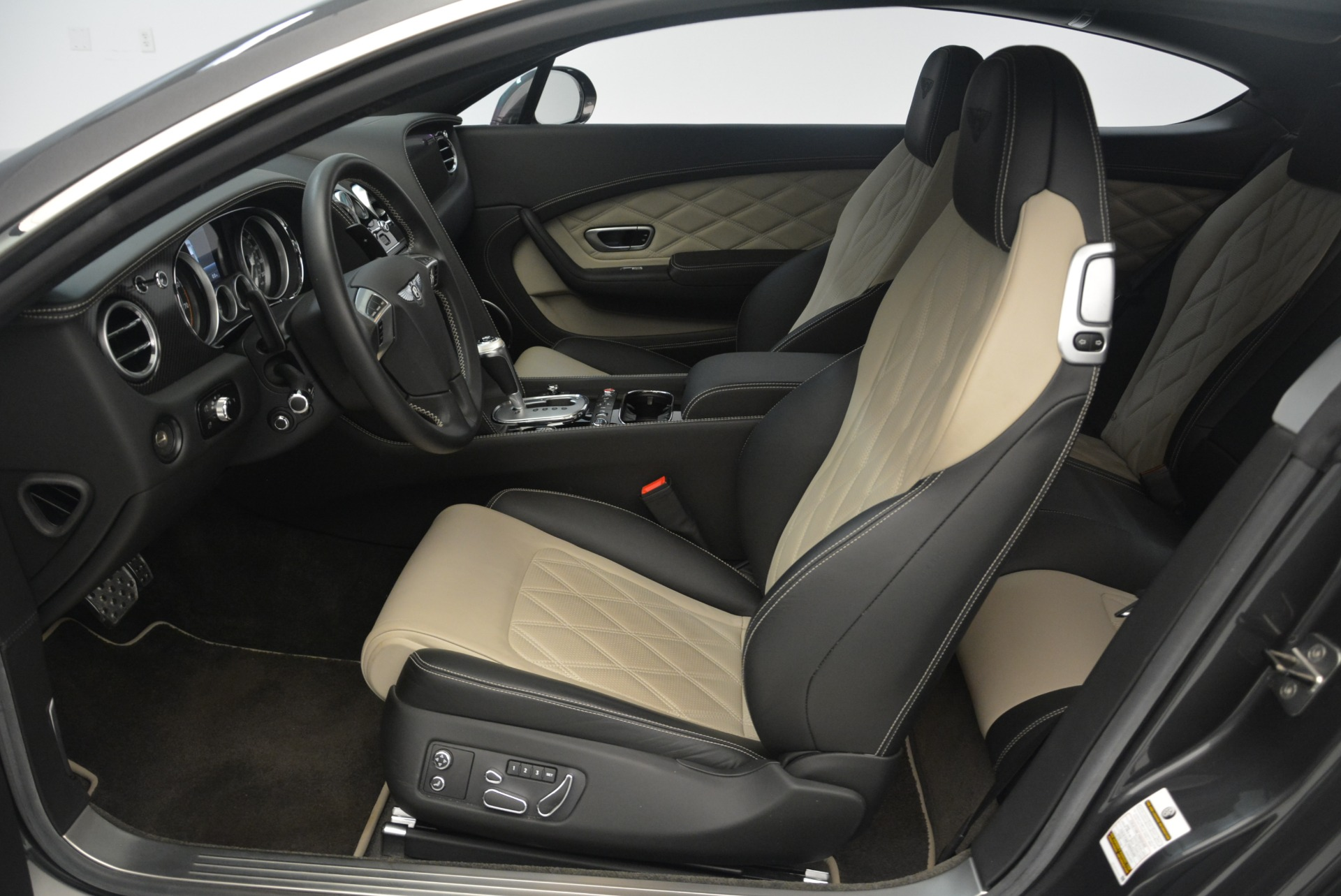 Used 2013 Bentley Continental GT V8 For Sale In Greenwich, CT. Alfa Romeo of Greenwich, 4482A 2377_p19