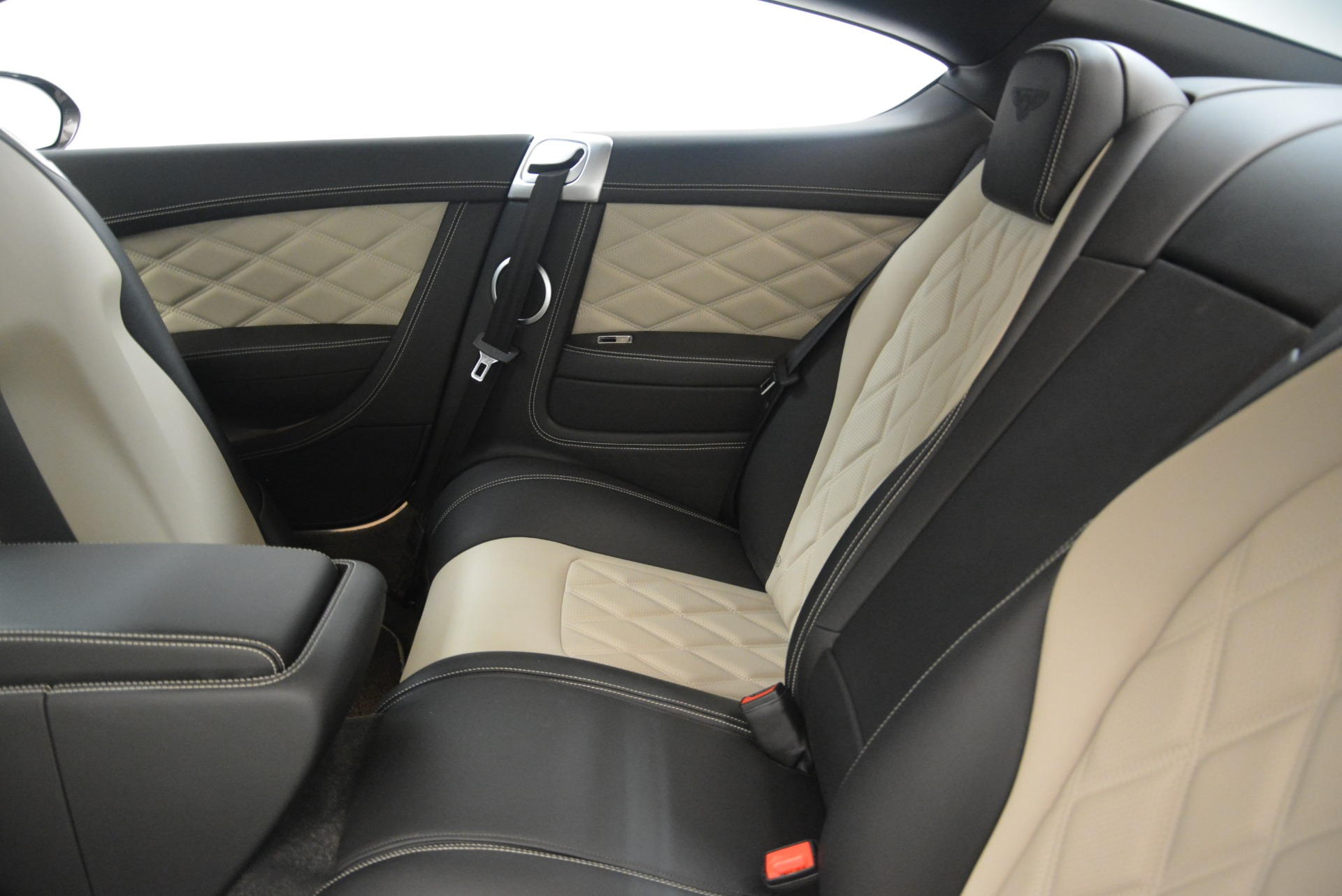 Used 2013 Bentley Continental GT V8 For Sale In Greenwich, CT. Alfa Romeo of Greenwich, 4482A 2377_p24
