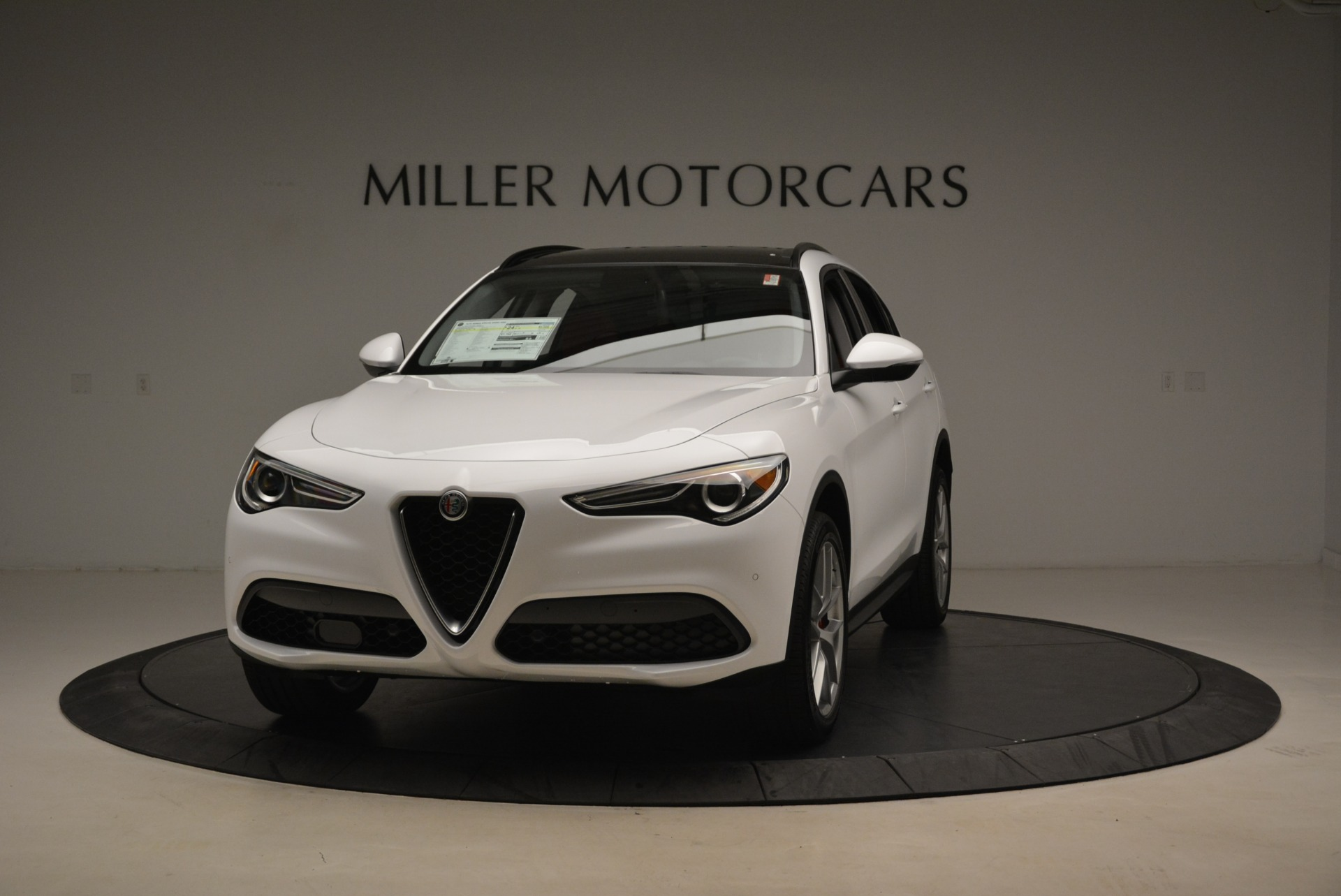 New 2018 Alfa Romeo Stelvio Ti Sport Q4 For Sale In Greenwich, CT. Alfa Romeo of Greenwich, LW205 2381_main