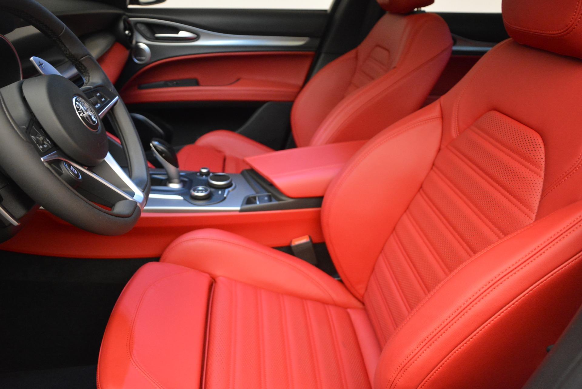 New 2018 Alfa Romeo Stelvio Ti Sport Q4 For Sale In Greenwich, CT. Alfa Romeo of Greenwich, LW205 2381_p14