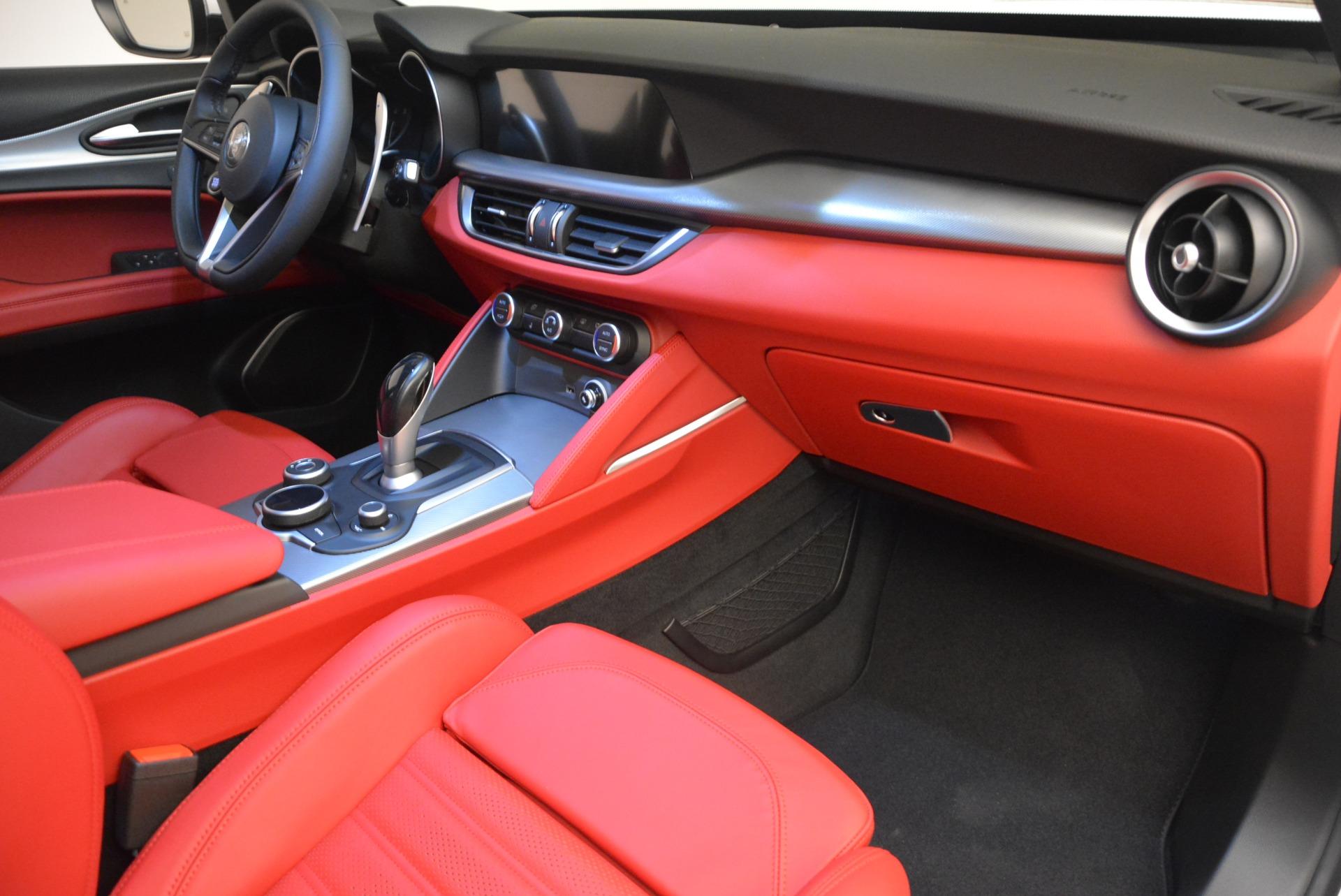 New 2018 Alfa Romeo Stelvio Ti Sport Q4 For Sale In Greenwich, CT. Alfa Romeo of Greenwich, LW205 2381_p16
