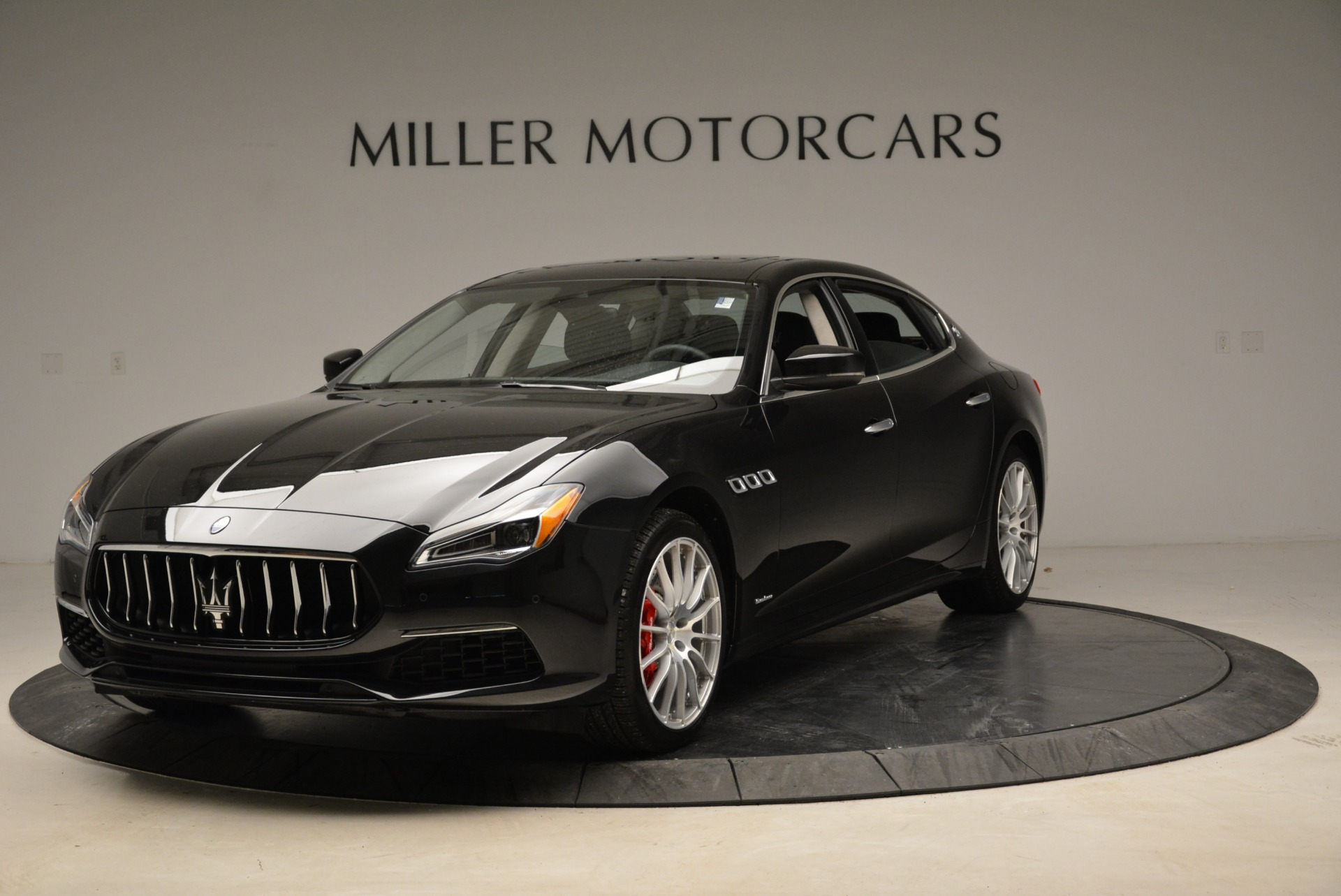 New 2018 Maserati Quattroporte S Q4 GranLusso For Sale In Greenwich, CT. Alfa Romeo of Greenwich, W606 2386_main
