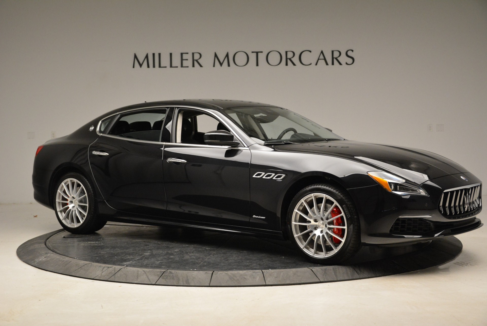 New 2018 Maserati Quattroporte S Q4 GranLusso For Sale In Greenwich, CT. Alfa Romeo of Greenwich, W606 2386_p10