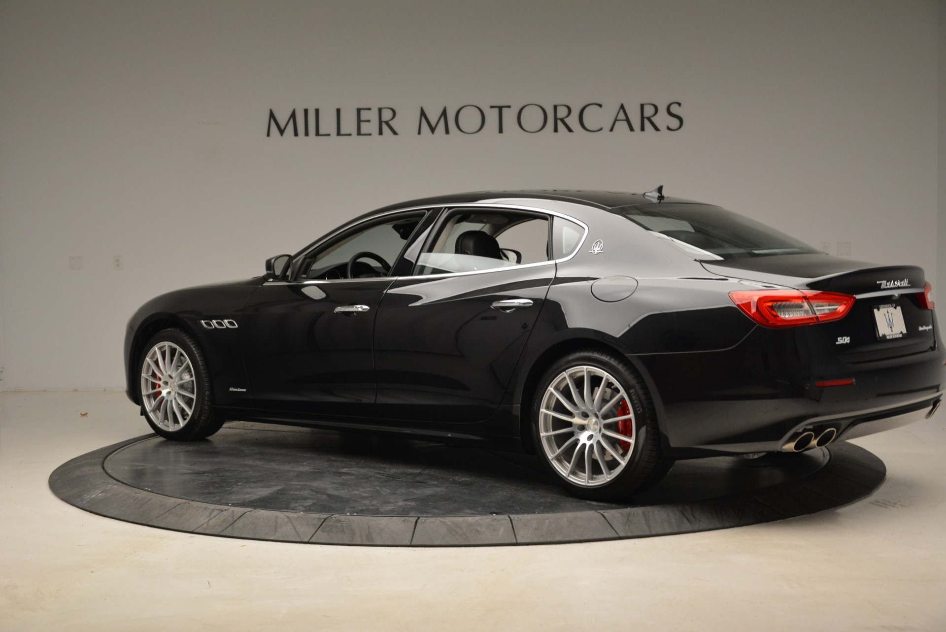 New 2018 Maserati Quattroporte S Q4 GranLusso For Sale In Greenwich, CT. Alfa Romeo of Greenwich, W606 2386_p4