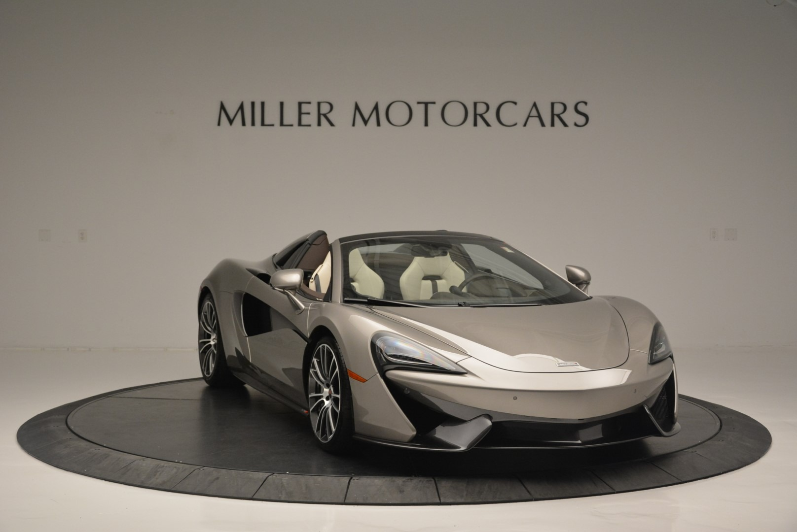 New 2018 McLaren 570S Spider For Sale In Greenwich, CT. Alfa Romeo of Greenwich, MC361 2387_p11