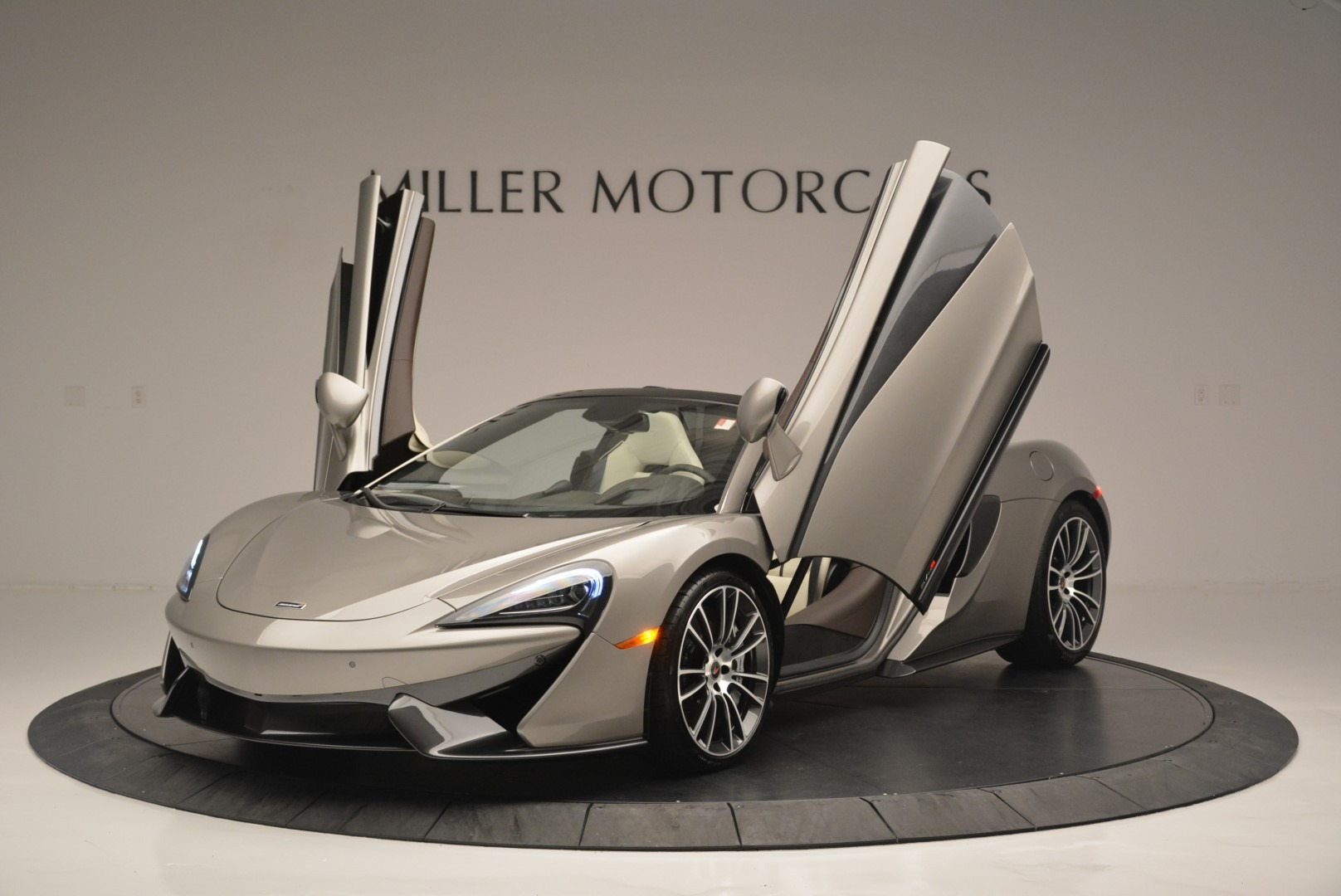 New 2018 McLaren 570S Spider For Sale In Greenwich, CT. Alfa Romeo of Greenwich, MC361 2387_p13