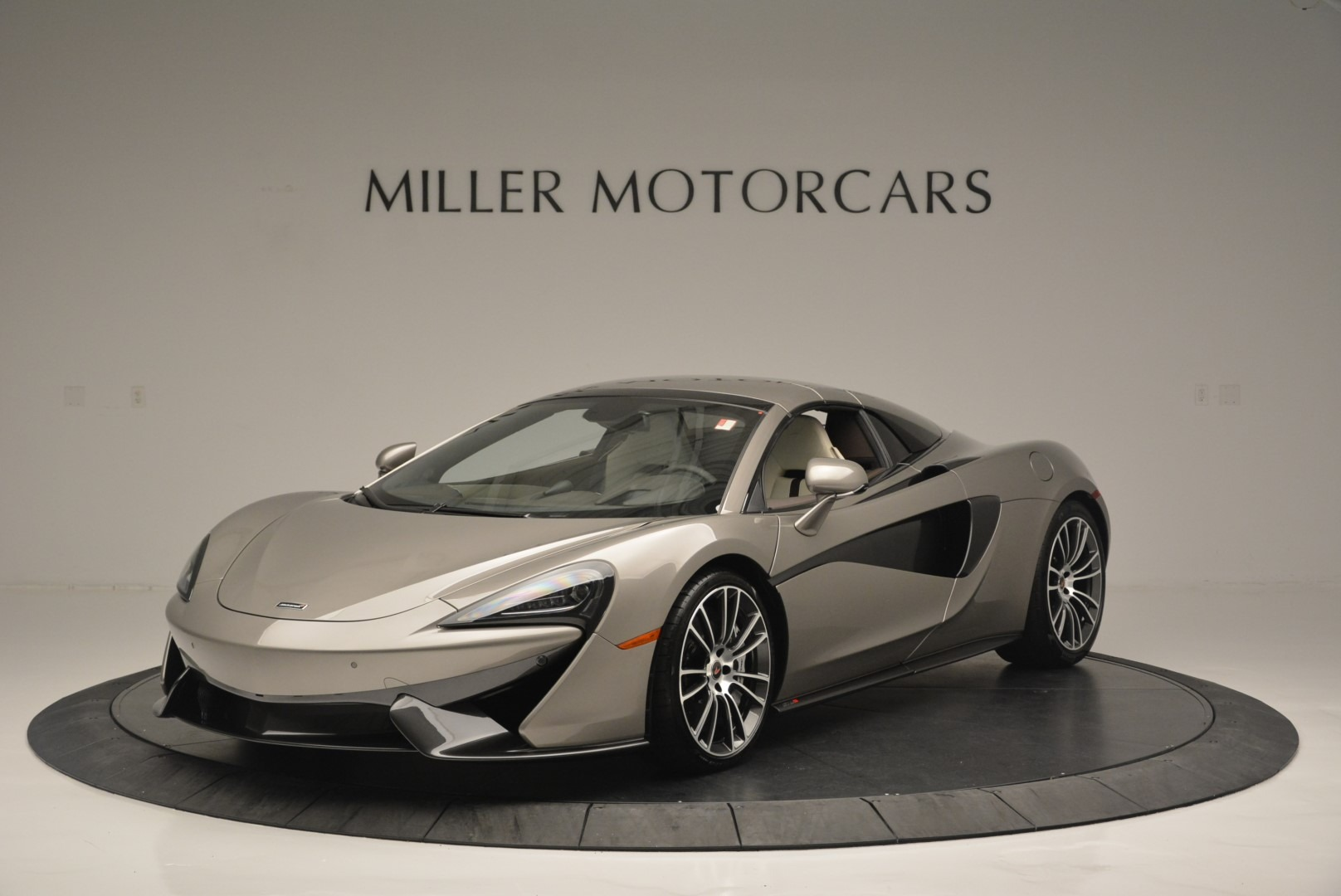 New 2018 McLaren 570S Spider For Sale In Greenwich, CT. Alfa Romeo of Greenwich, MC361 2387_p14