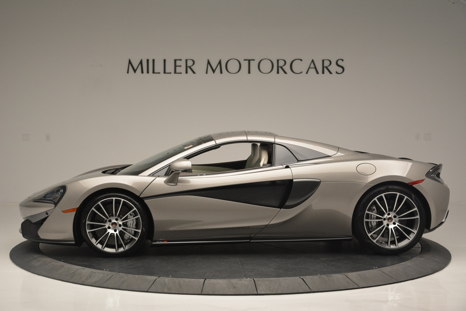 New 2018 McLaren 570S Spider For Sale In Greenwich, CT. Alfa Romeo of Greenwich, MC361 2387_p15