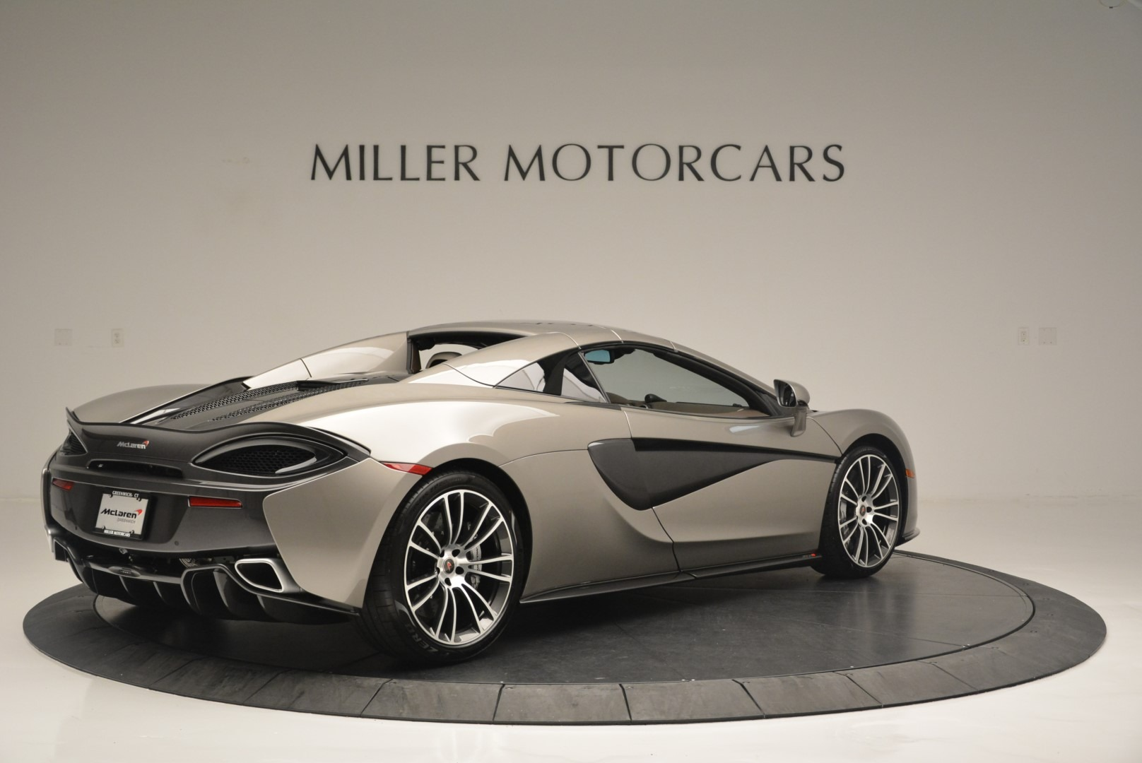 New 2018 McLaren 570S Spider For Sale In Greenwich, CT. Alfa Romeo of Greenwich, MC361 2387_p18
