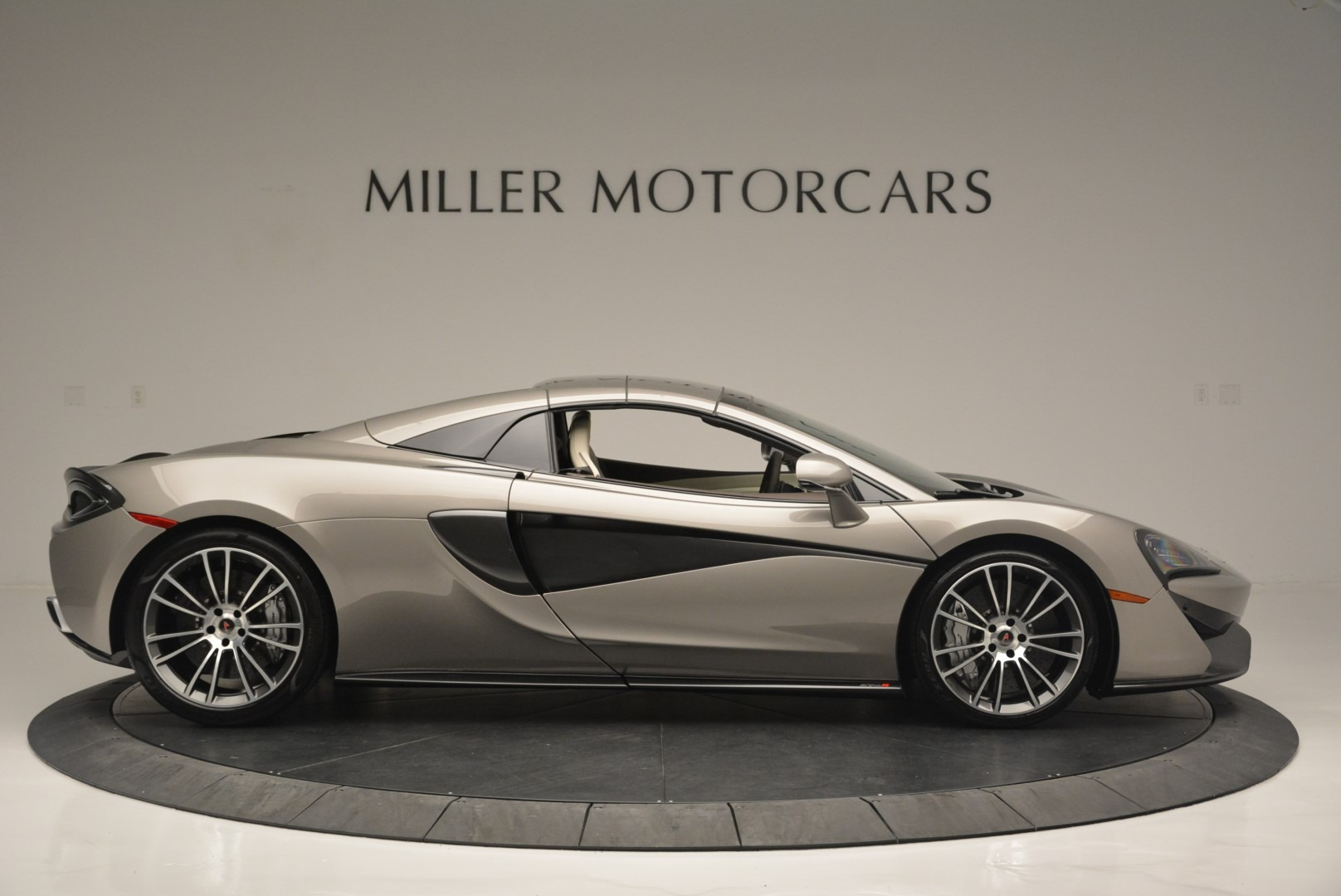 New 2018 McLaren 570S Spider For Sale In Greenwich, CT. Alfa Romeo of Greenwich, MC361 2387_p19