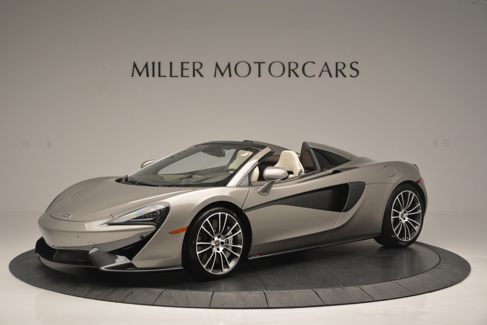 New 2018 McLaren 570S Spider For Sale In Greenwich, CT. Alfa Romeo of Greenwich, MC361 2387_p2