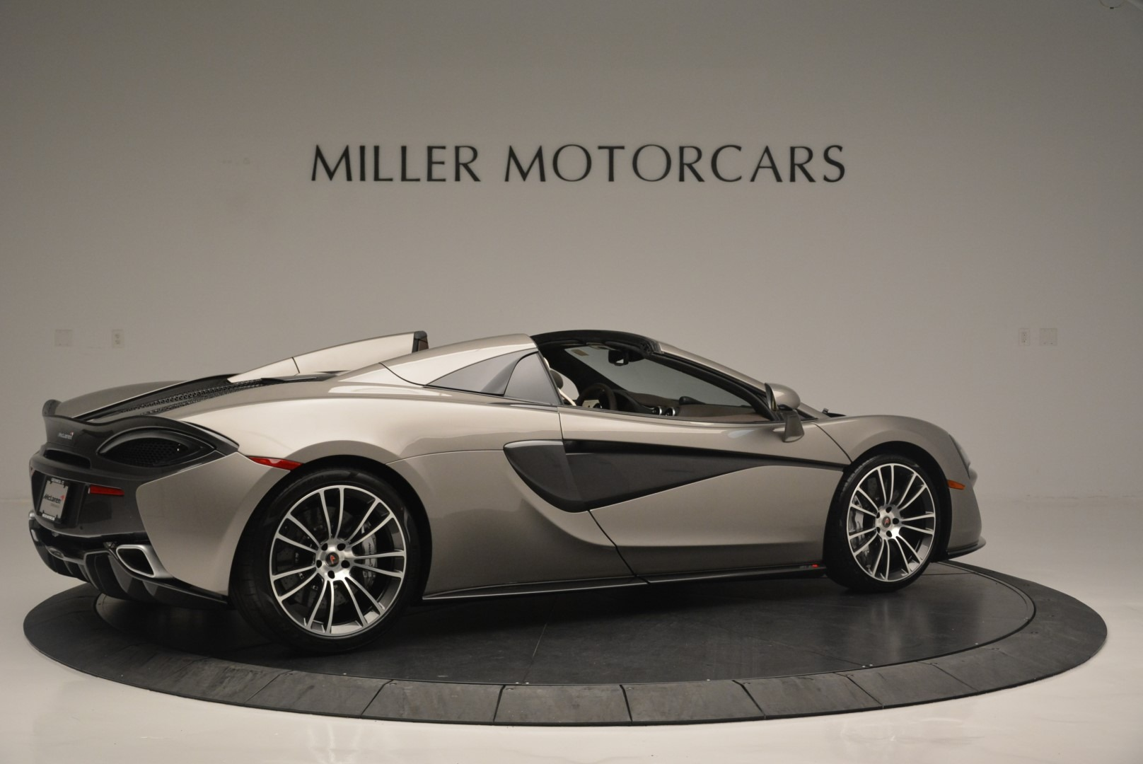New 2018 McLaren 570S Spider For Sale In Greenwich, CT. Alfa Romeo of Greenwich, MC361 2387_p8