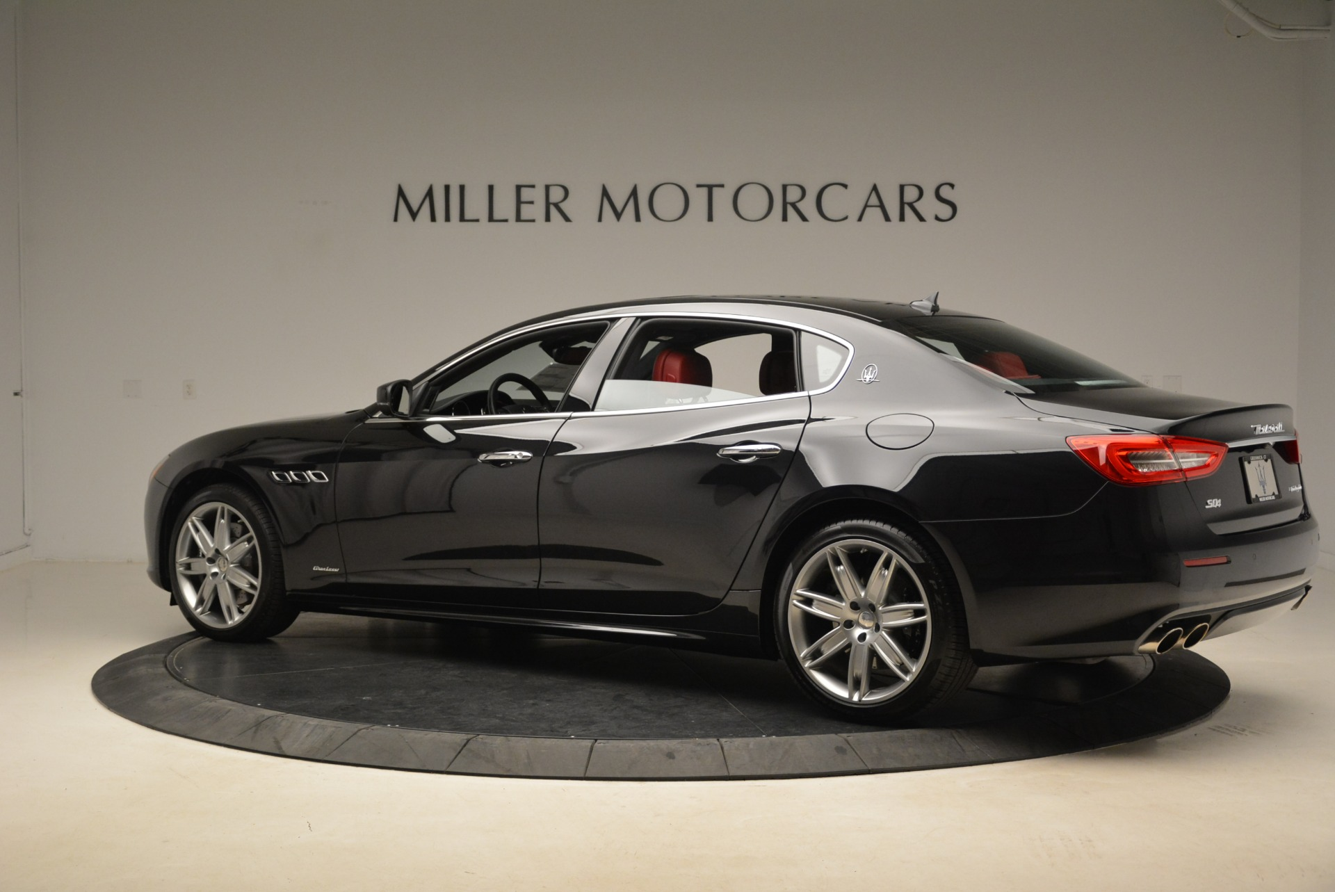 New 2018 Maserati Quattroporte S Q4 GranLusso For Sale In Greenwich, CT. Alfa Romeo of Greenwich, M2175 2390_p4