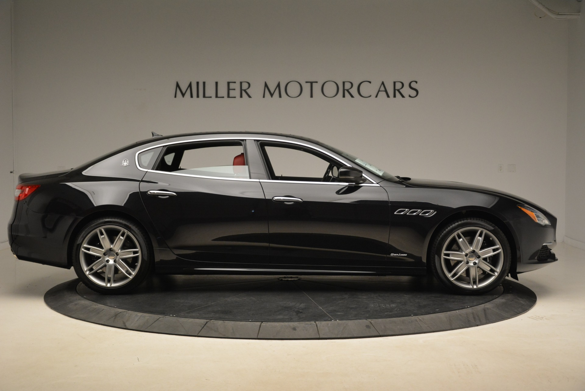 New 2018 Maserati Quattroporte S Q4 GranLusso For Sale In Greenwich, CT. Alfa Romeo of Greenwich, M2175 2390_p9