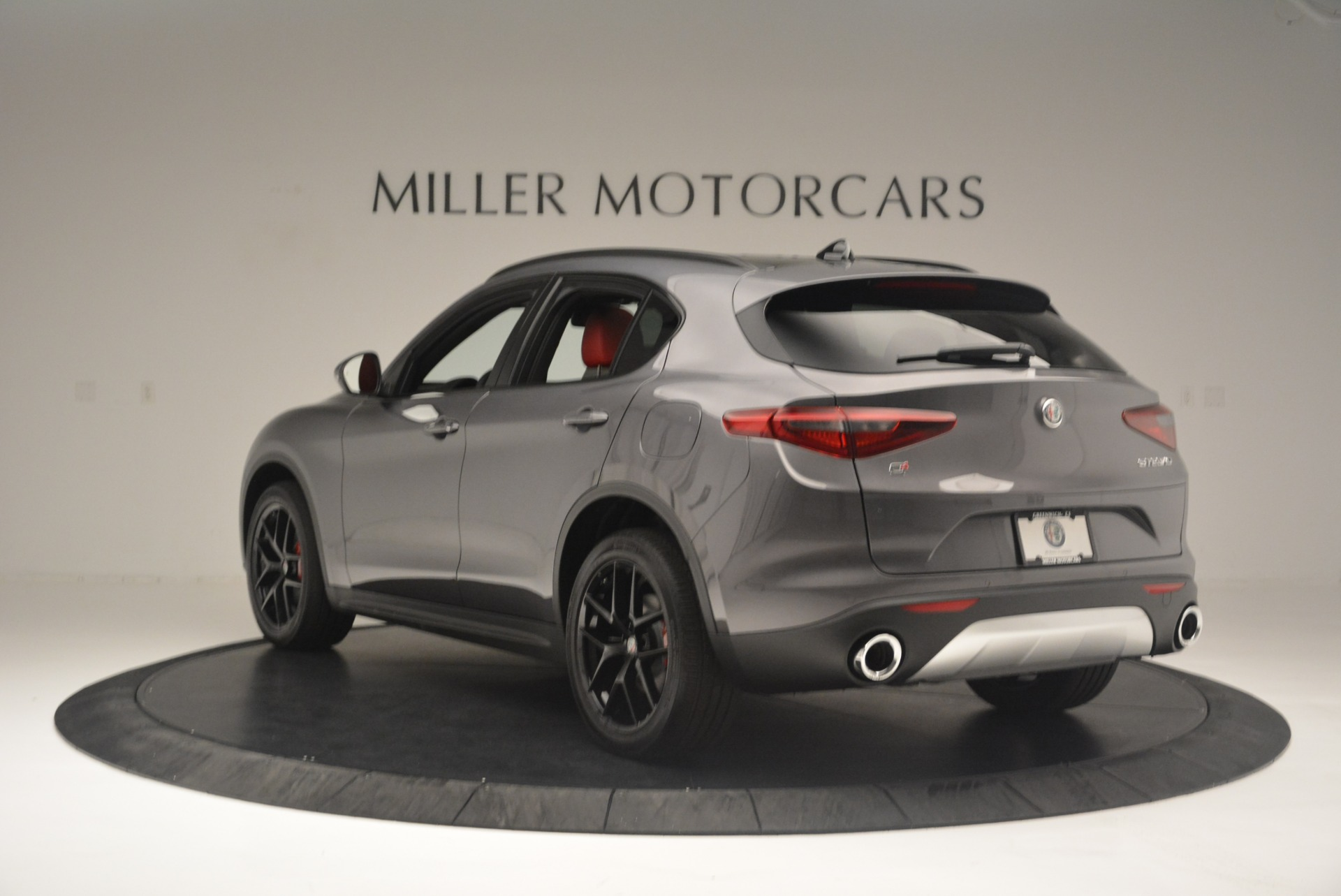 New 2018 Alfa Romeo Stelvio Ti Sport Q4 For Sale In Greenwich, CT. Alfa Romeo of Greenwich, LW202 2393_p5