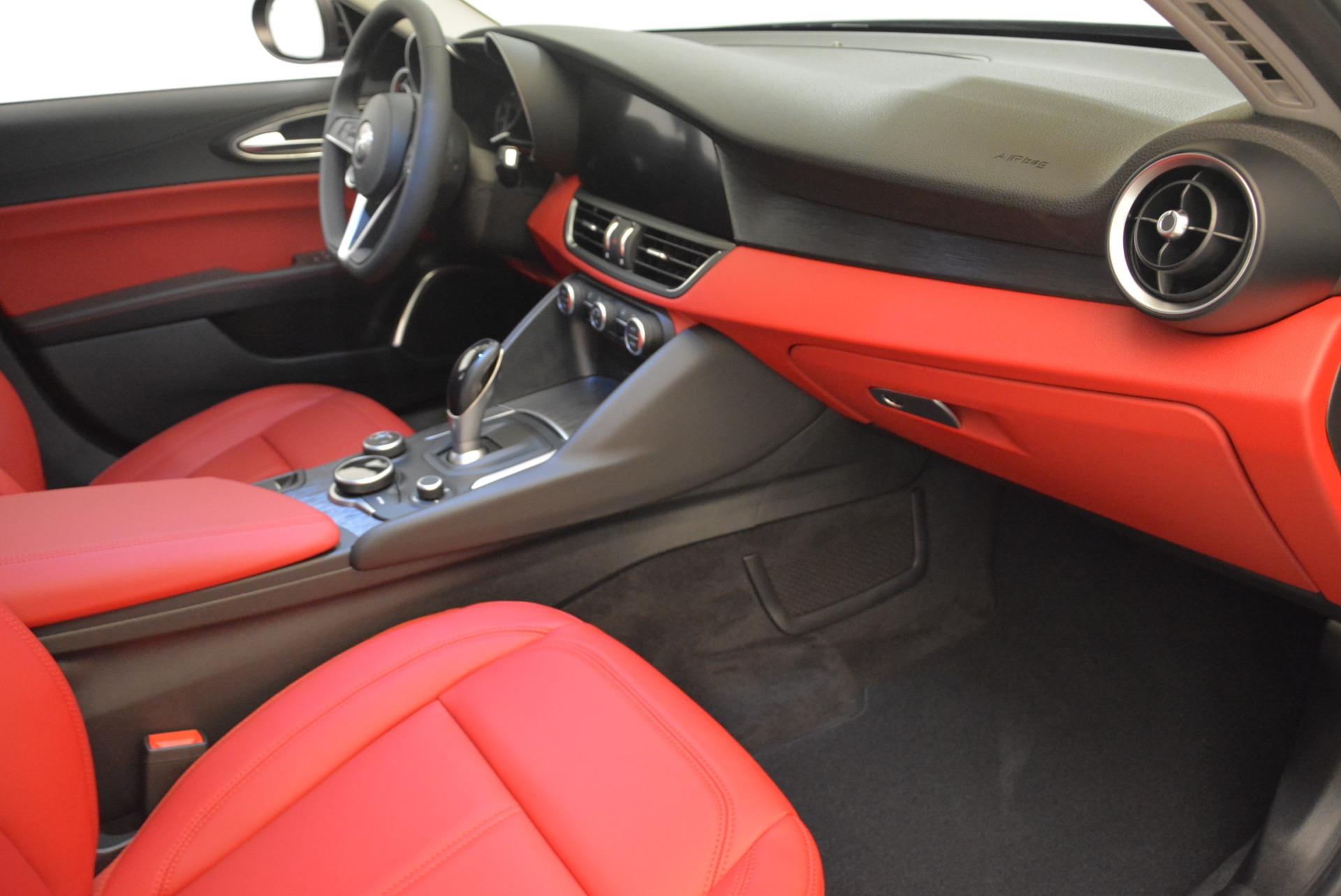 New 2018 Alfa Romeo Giulia Q4 For Sale In Greenwich, CT. Alfa Romeo of Greenwich, LW200 2395_p19