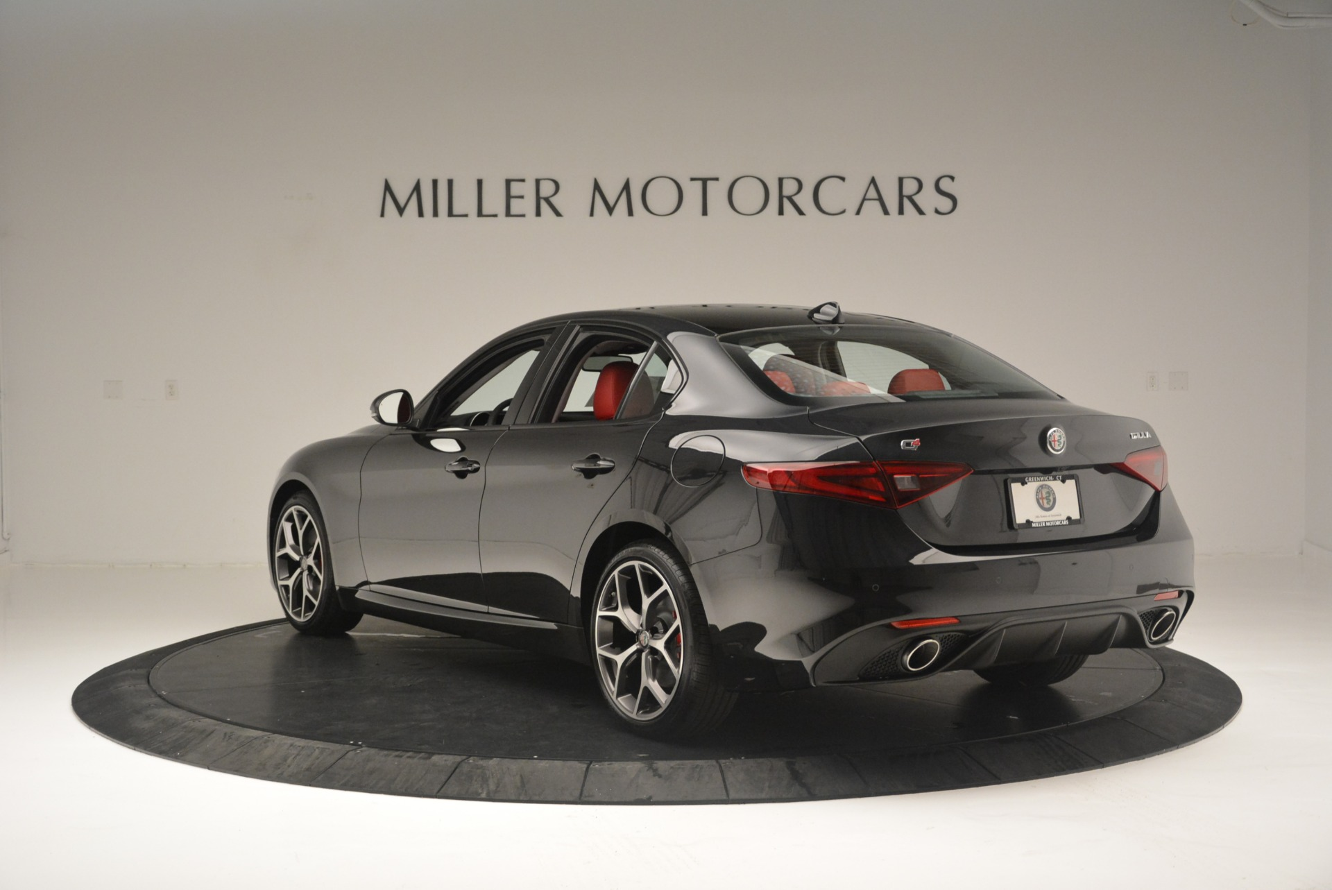 New 2018 Alfa Romeo Giulia Ti Sport Q4 For Sale In Greenwich, CT. Alfa Romeo of Greenwich, L436 2400_p5