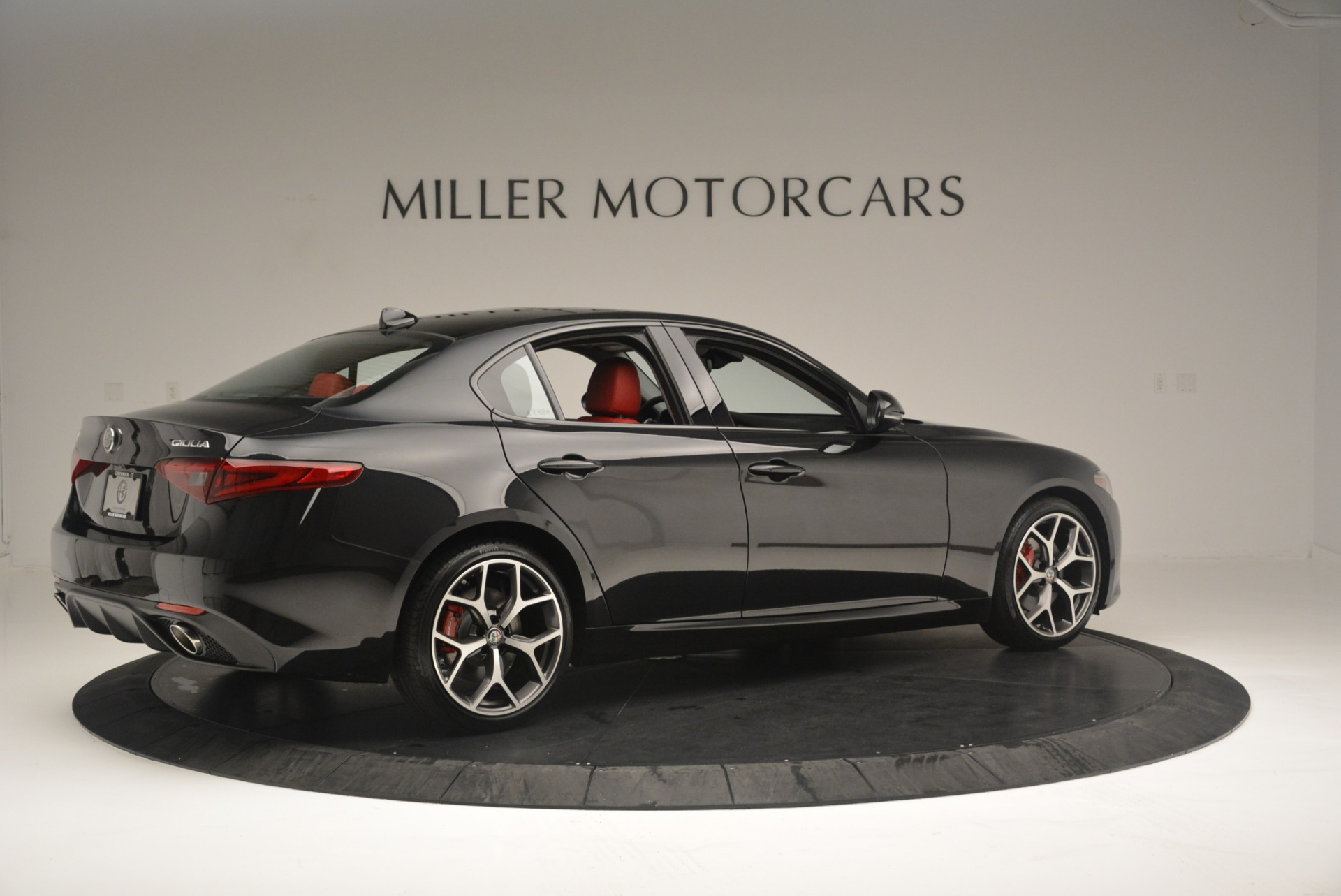 New 2018 Alfa Romeo Giulia Ti Sport Q4 For Sale In Greenwich, CT. Alfa Romeo of Greenwich, L436 2400_p8